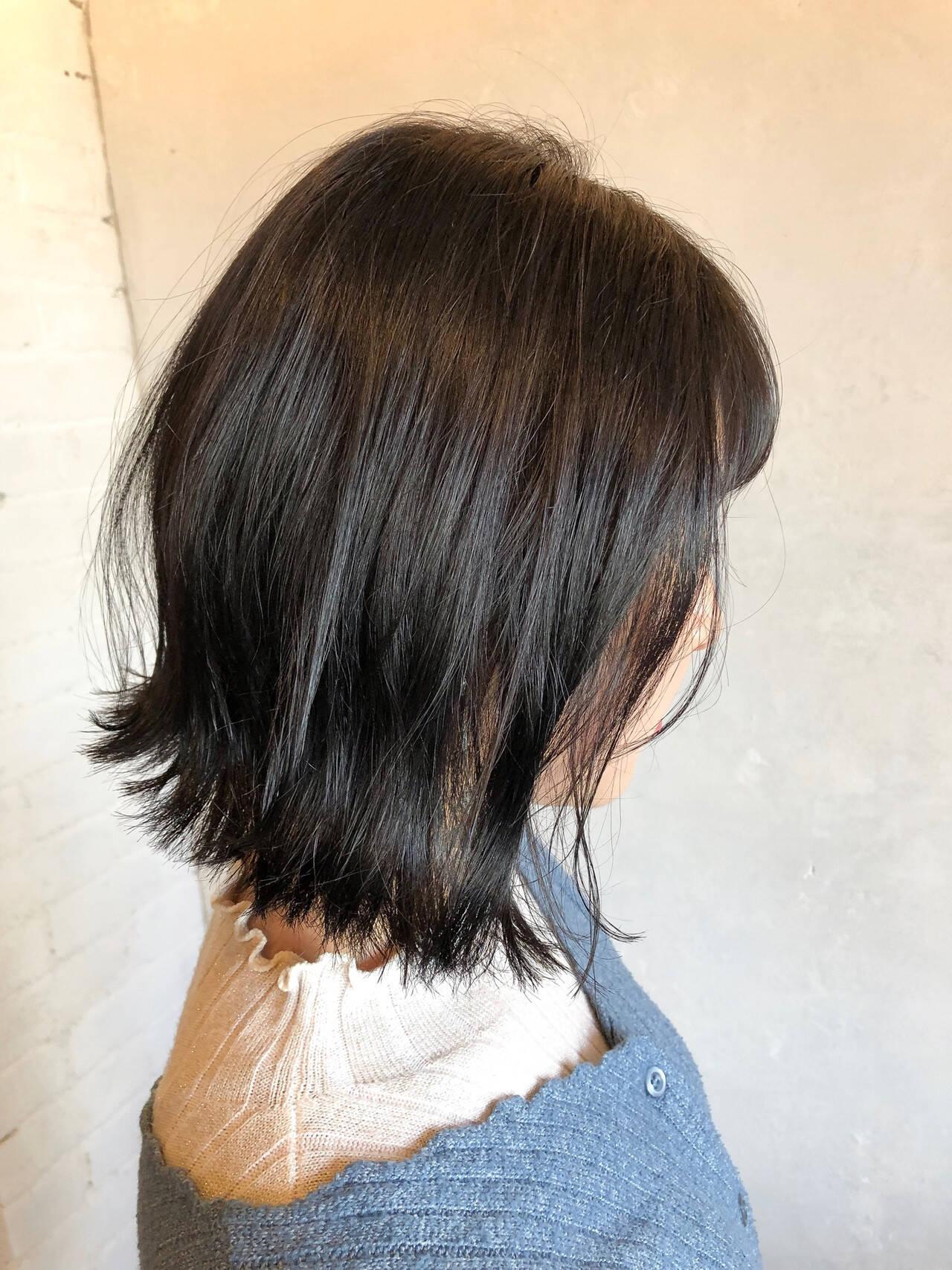 ボブ 外ハネボブ ウェットヘア ナチュラルヘアスタイルや髪型の写真・画像