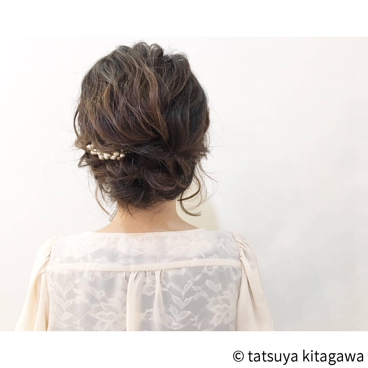 ミディアム 上品 エレガント 二次会ヘアスタイルや髪型の写真・画像