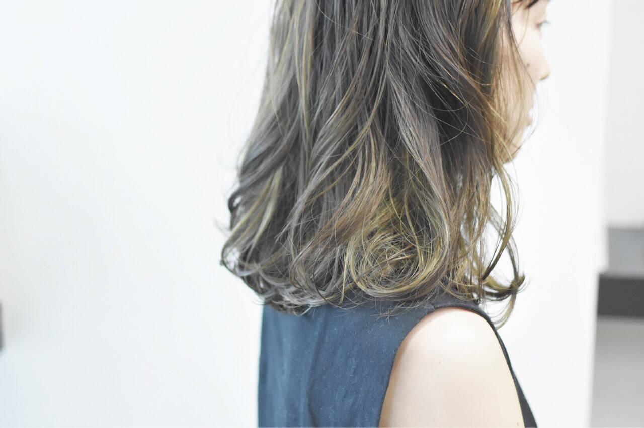 グラデーションカラー デート ストリート ミディアムヘアスタイルや髪型の写真・画像