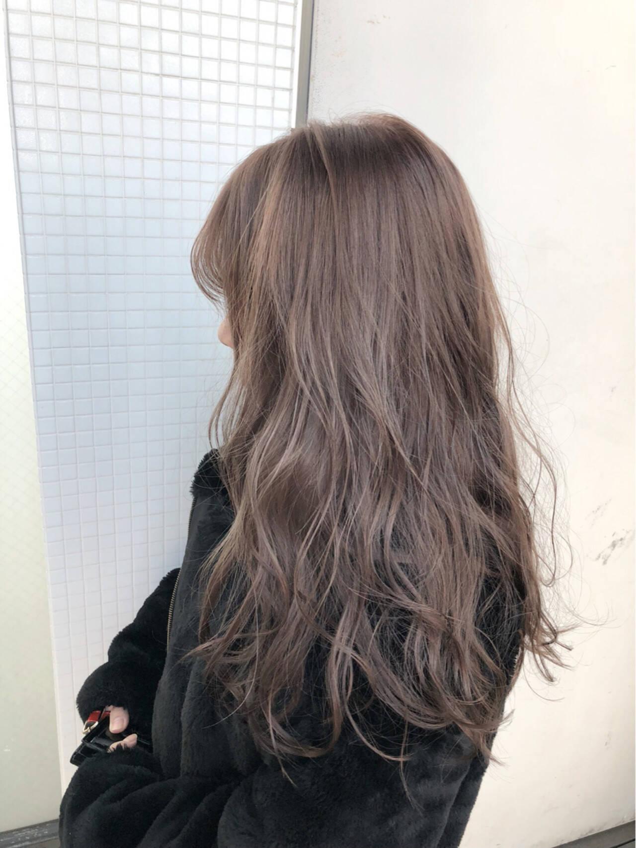 ロング ミルクティー ヘアアレンジ ナチュラルヘアスタイルや髪型の写真・画像