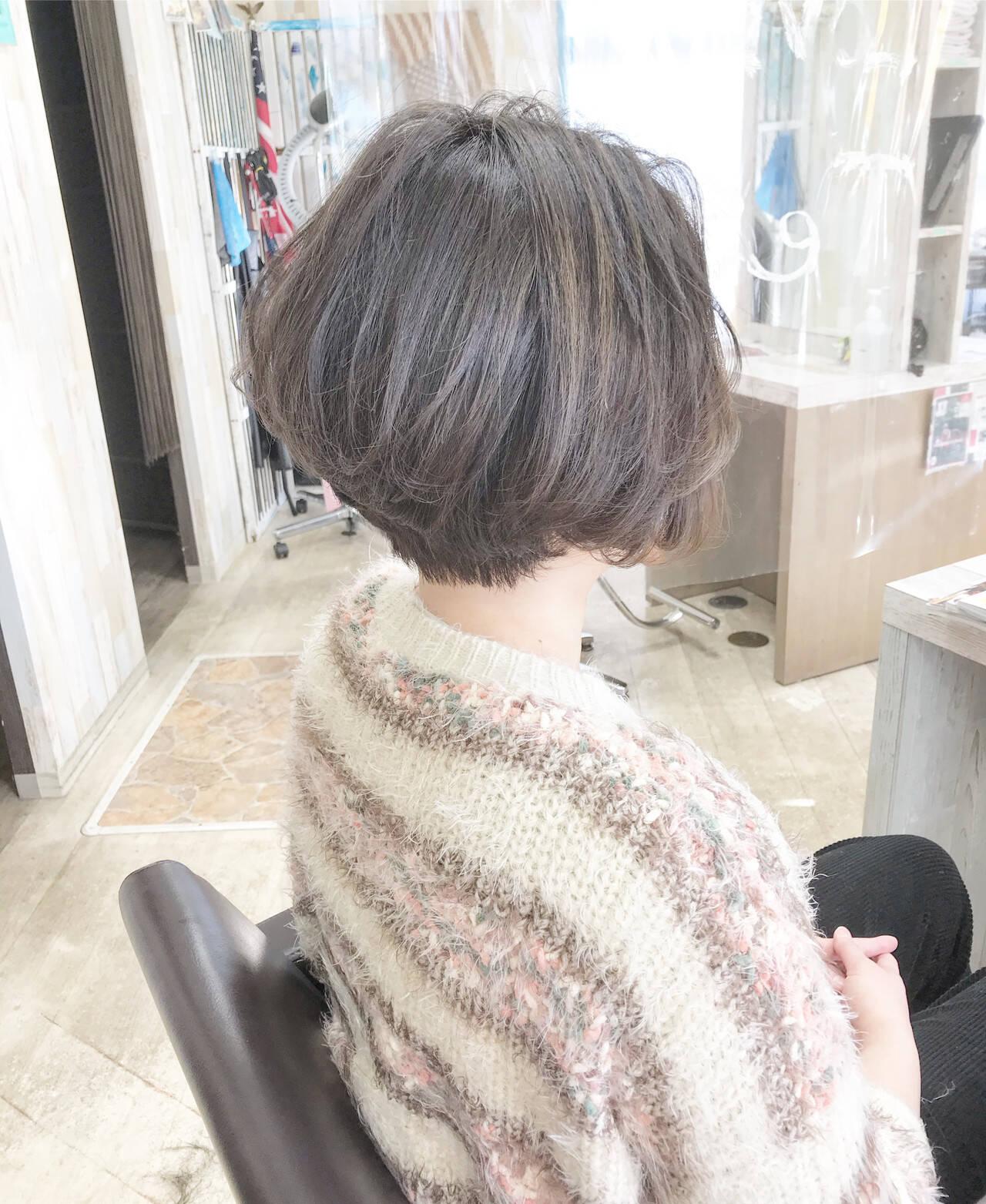 ミニボブ ボブ ショートヘア ナチュラルヘアスタイルや髪型の写真・画像