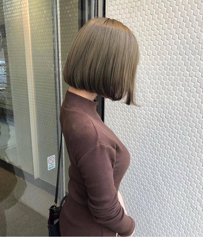オリーブアッシュ ミントアッシュ オリーブベージュ ボブヘアスタイルや髪型の写真・画像