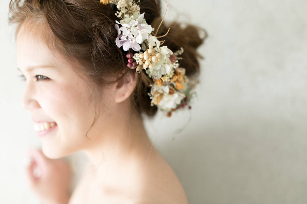 セミロング 簡単ヘアアレンジ エレガント 上品ヘアスタイルや髪型の写真・画像