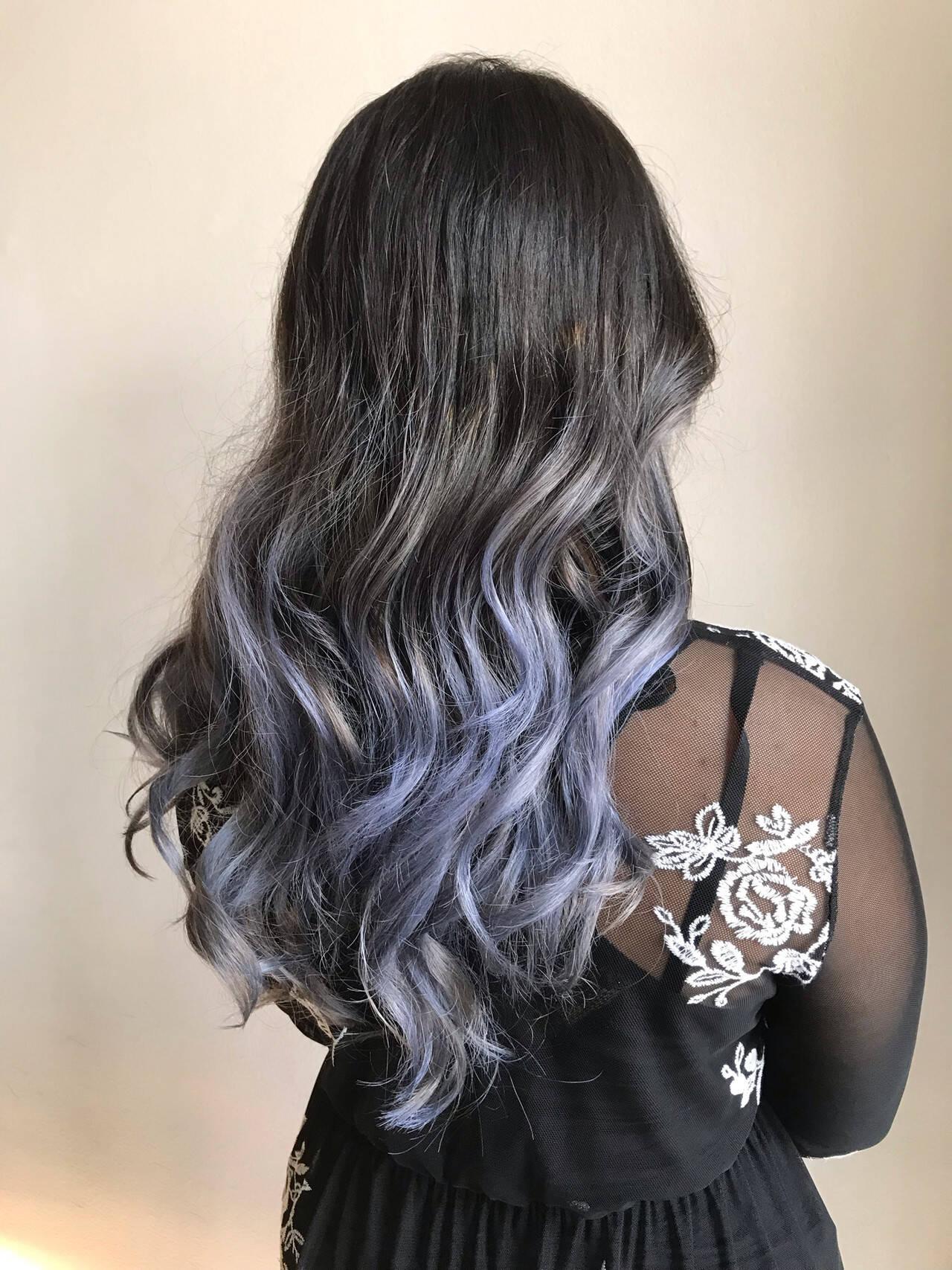 個性的 コントラストハイライト ロング 派手髪ヘアスタイルや髪型の写真・画像