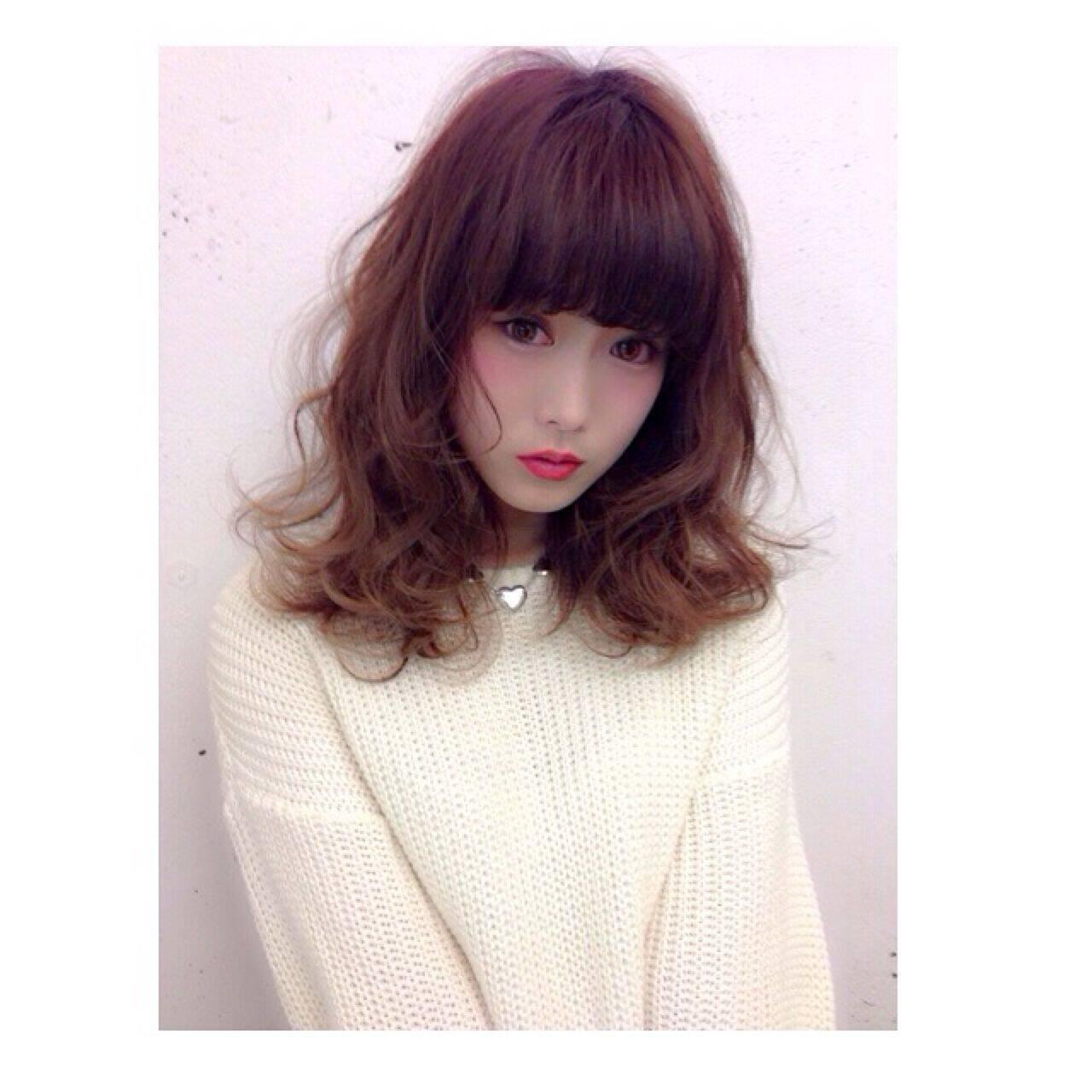 モード セミロング ストリート ストレートヘアスタイルや髪型の写真・画像