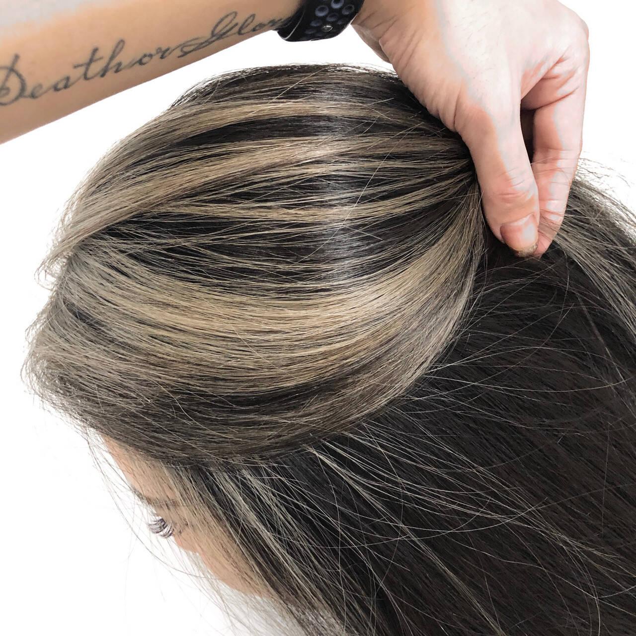外国人風カラー ママ ブロンド バレイヤージュヘアスタイルや髪型の写真・画像