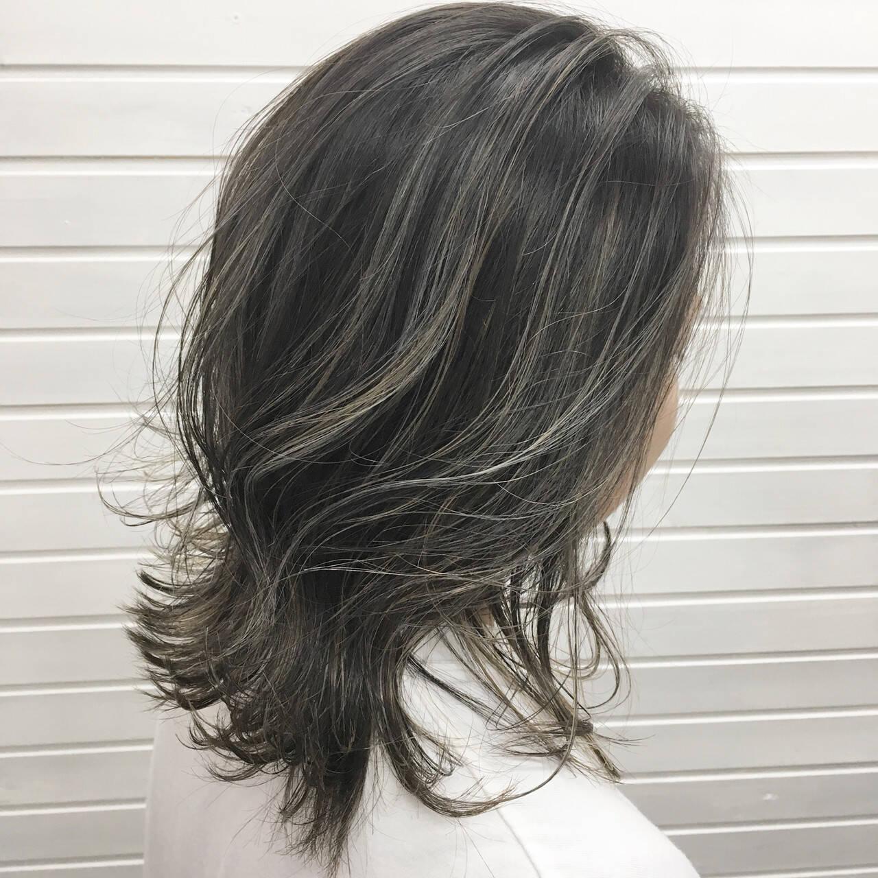 コントラストハイライト ナチュラル ミディアム ハイライトヘアスタイルや髪型の写真・画像