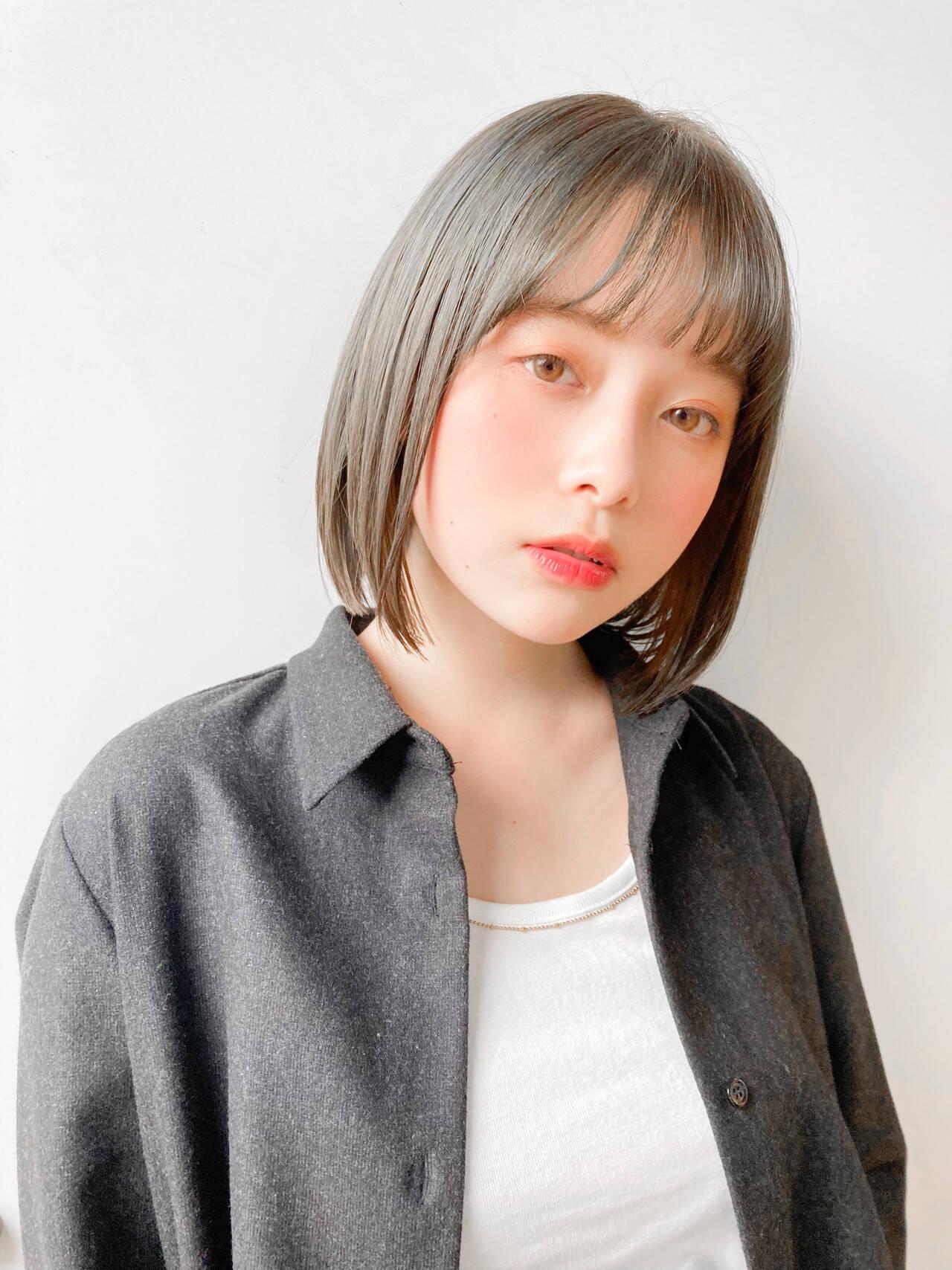 レイヤーヘアー ひし形シルエット 切りっぱなしボブ 鎖骨ミディアムヘアスタイルや髪型の写真・画像