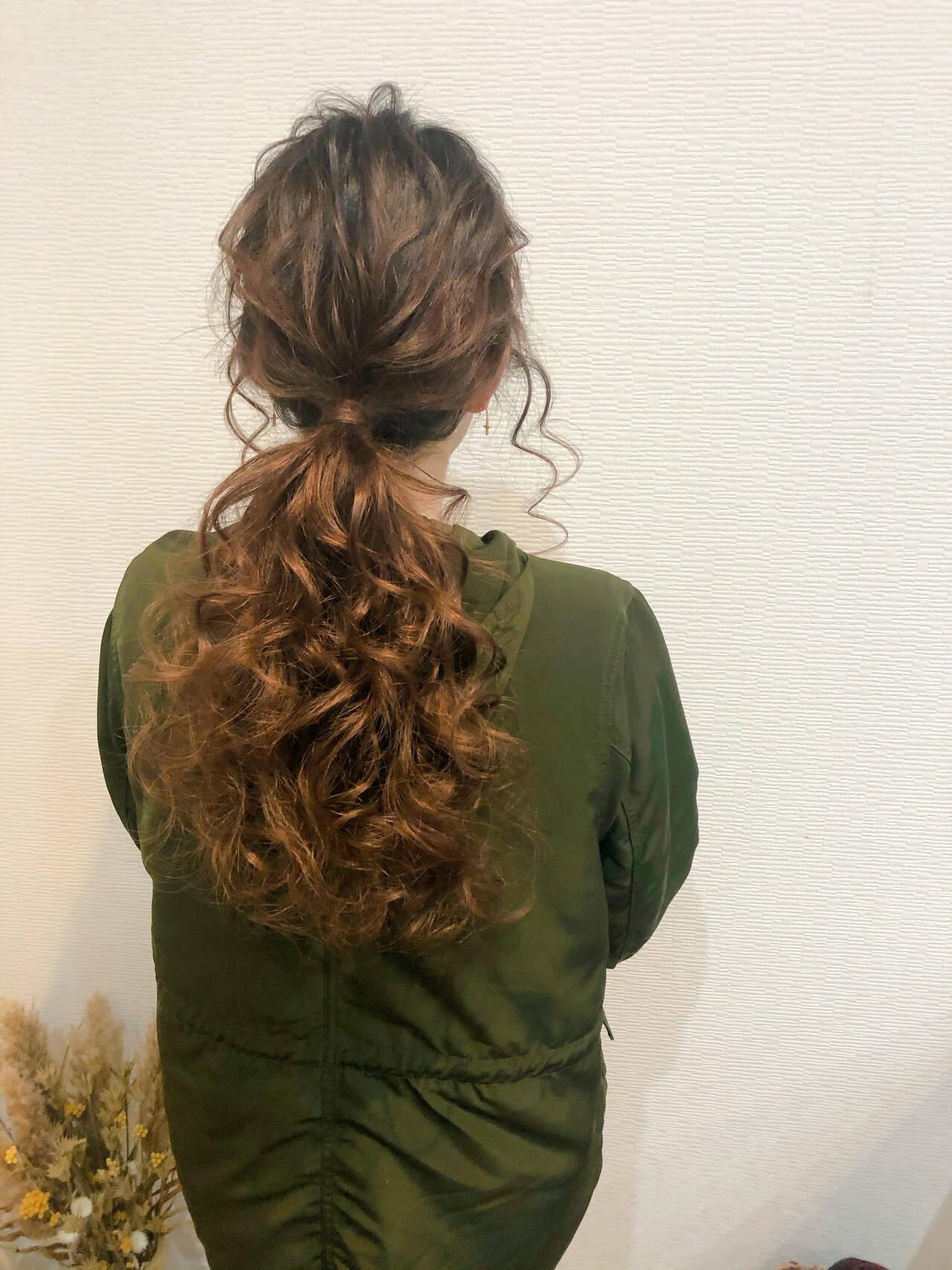 ポニーテール アップ ロング フェミニンヘアスタイルや髪型の写真・画像