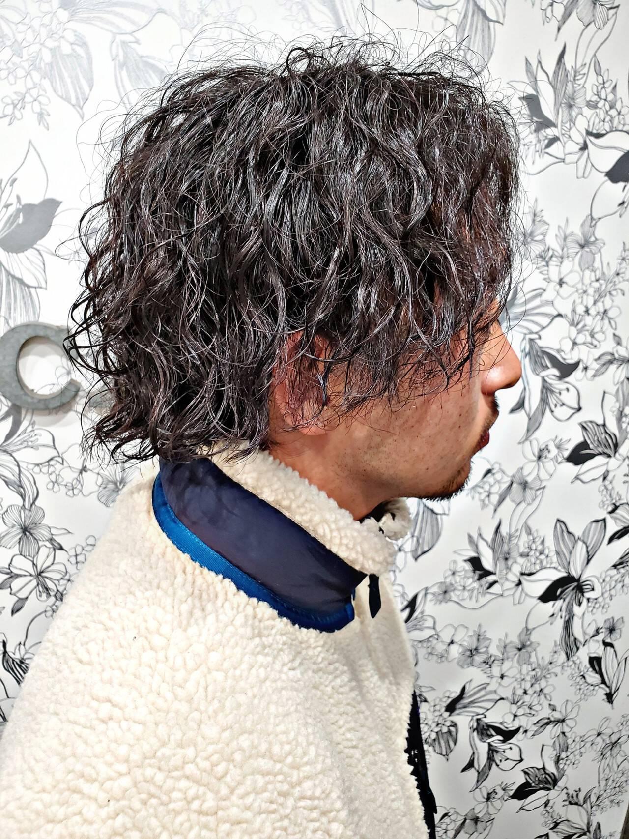 メンズパーマ メンズスタイル ショート スパイラルパーマヘアスタイルや髪型の写真・画像