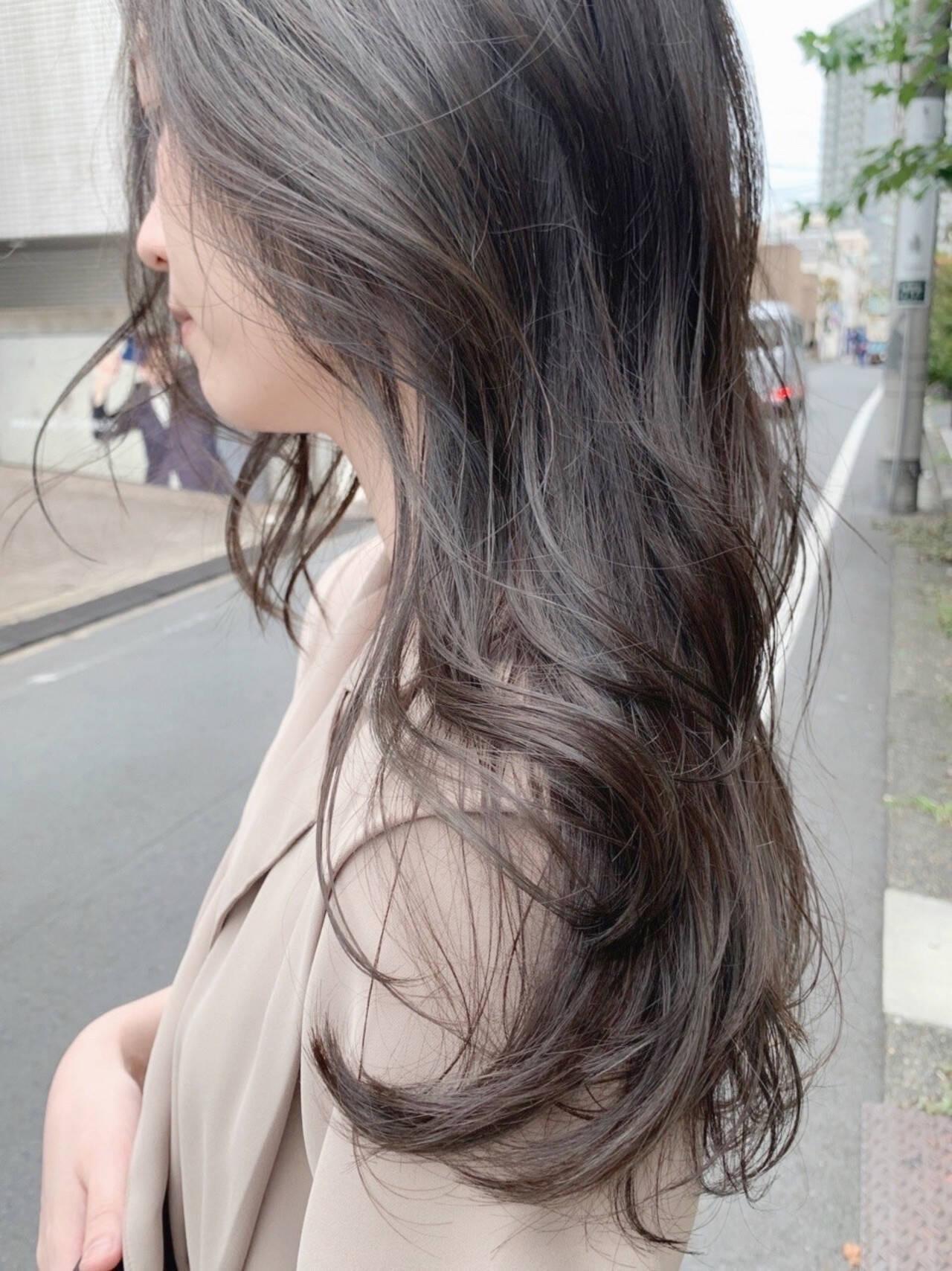 シアーベージュ グレージュ ナチュラル ロングヘアスタイルや髪型の写真・画像
