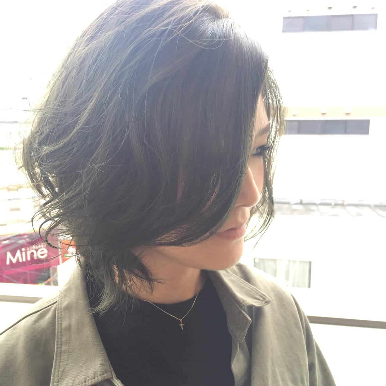 ボブ 暗髪 逆三角形 グラデーションカラーヘアスタイルや髪型の写真・画像