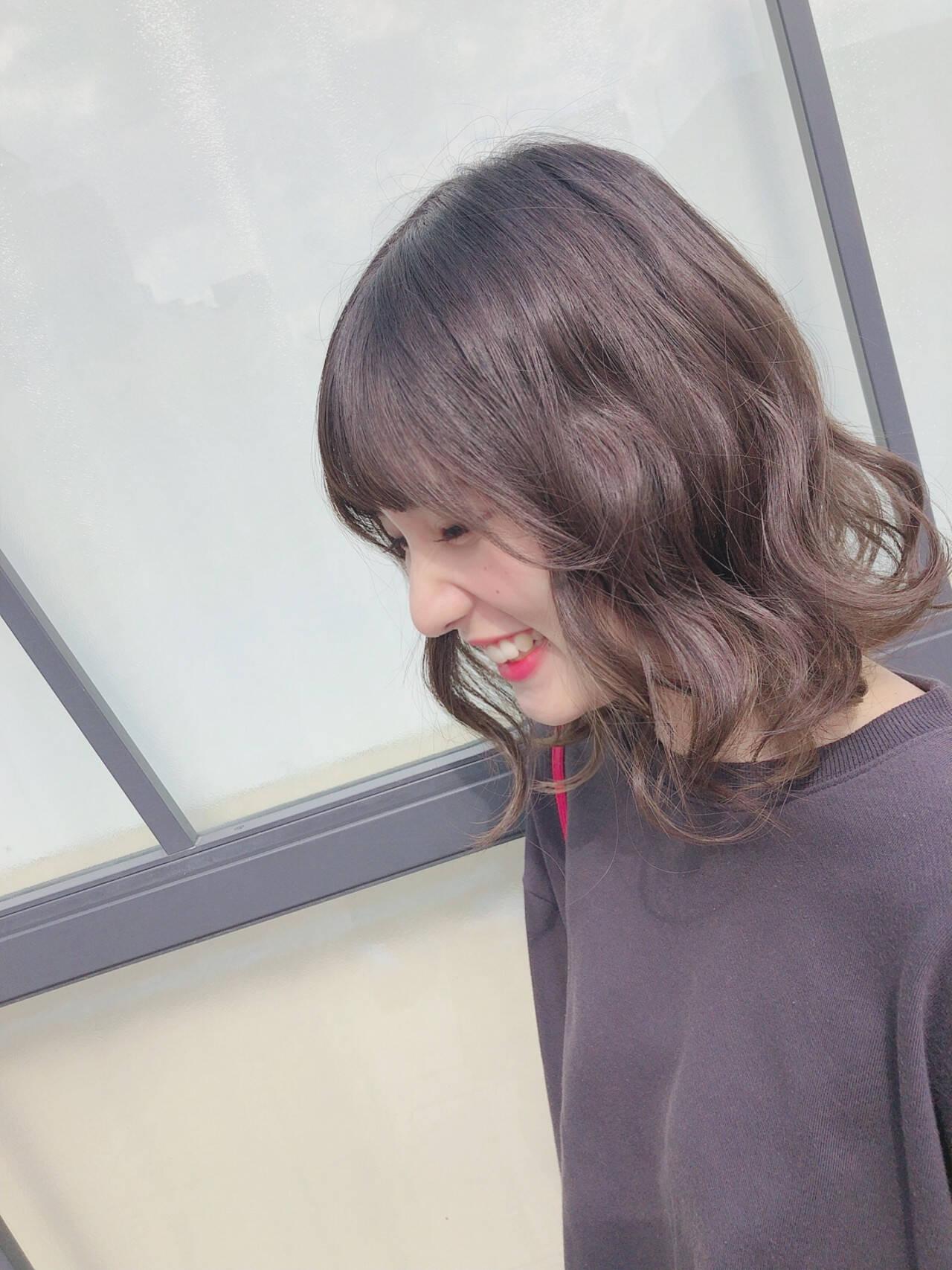 大人ミディアム ゆるふわセット ミディアム フェミニンヘアスタイルや髪型の写真・画像