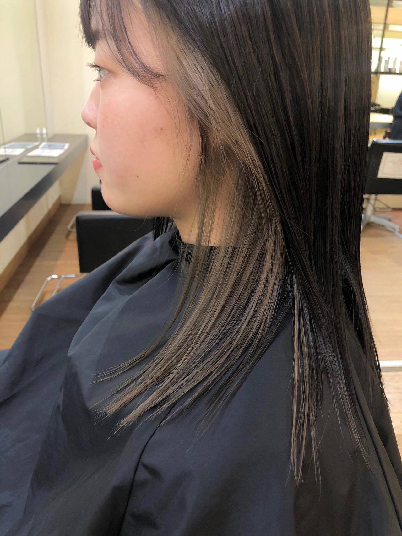 ナチュラル ミディアムヘアー インナーカラー ミディアムヘアスタイルや髪型の写真・画像