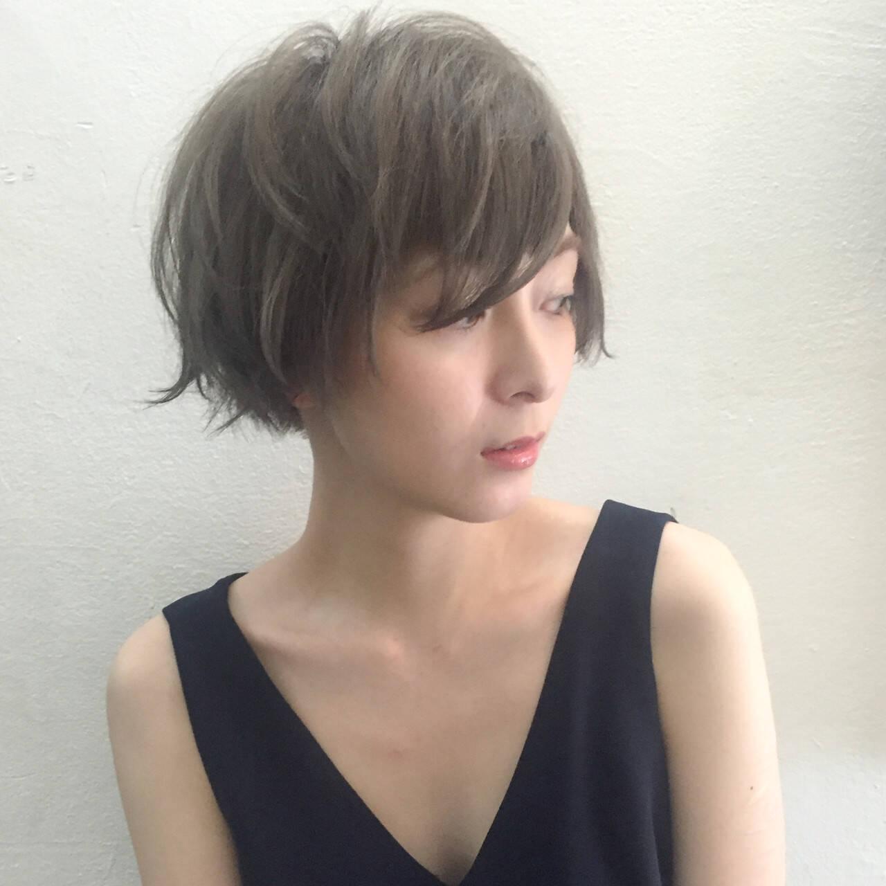 黒髪 アッシュ モード マッシュヘアスタイルや髪型の写真・画像
