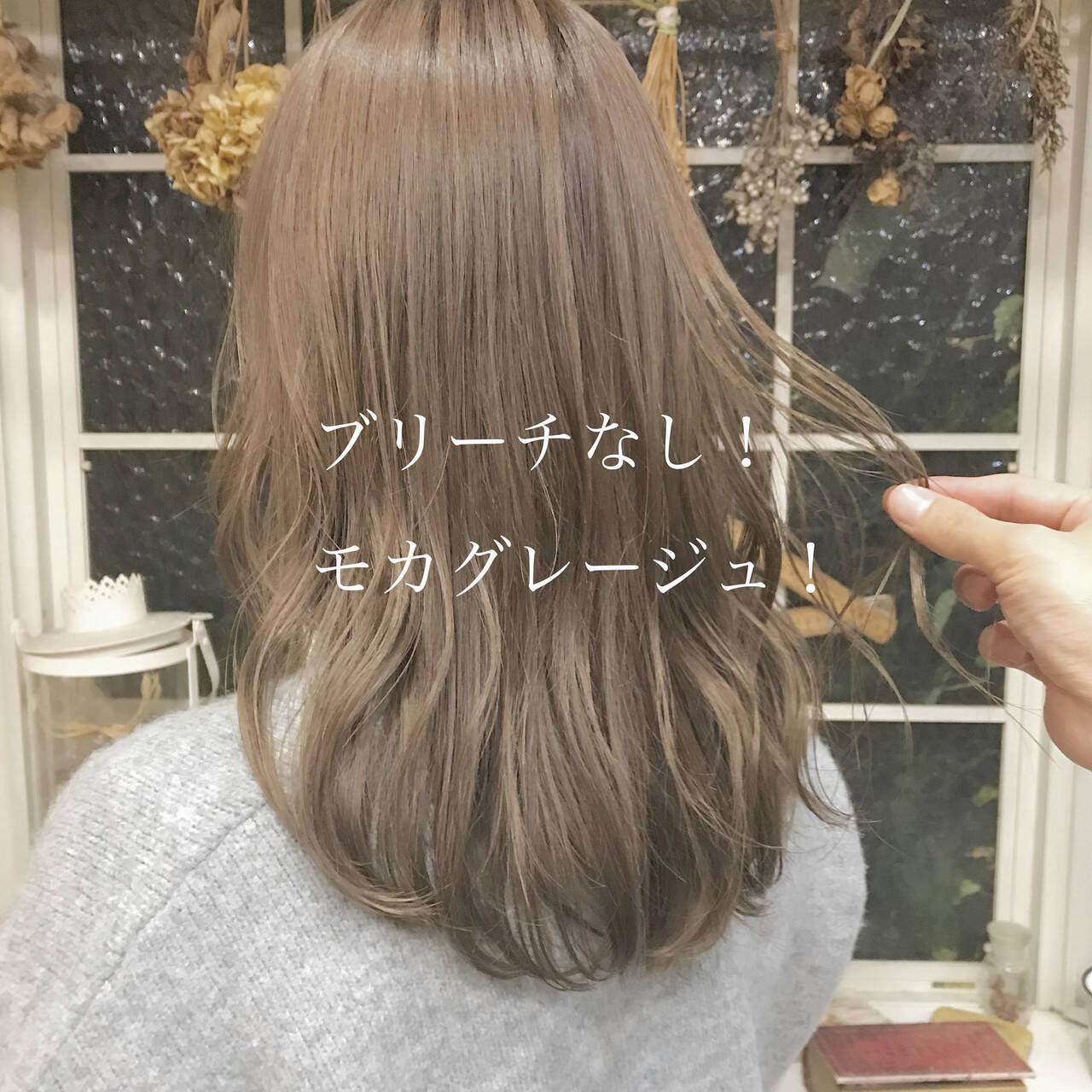 ロング ミルクティーベージュ ナチュラル ブリーチなしヘアスタイルや髪型の写真・画像