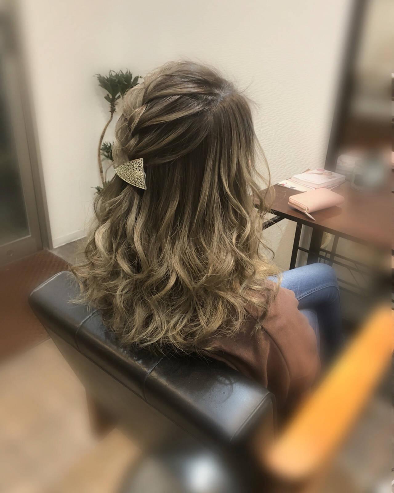 編み込み フェミニン ヘアアレンジ ハーフアップヘアスタイルや髪型の写真・画像