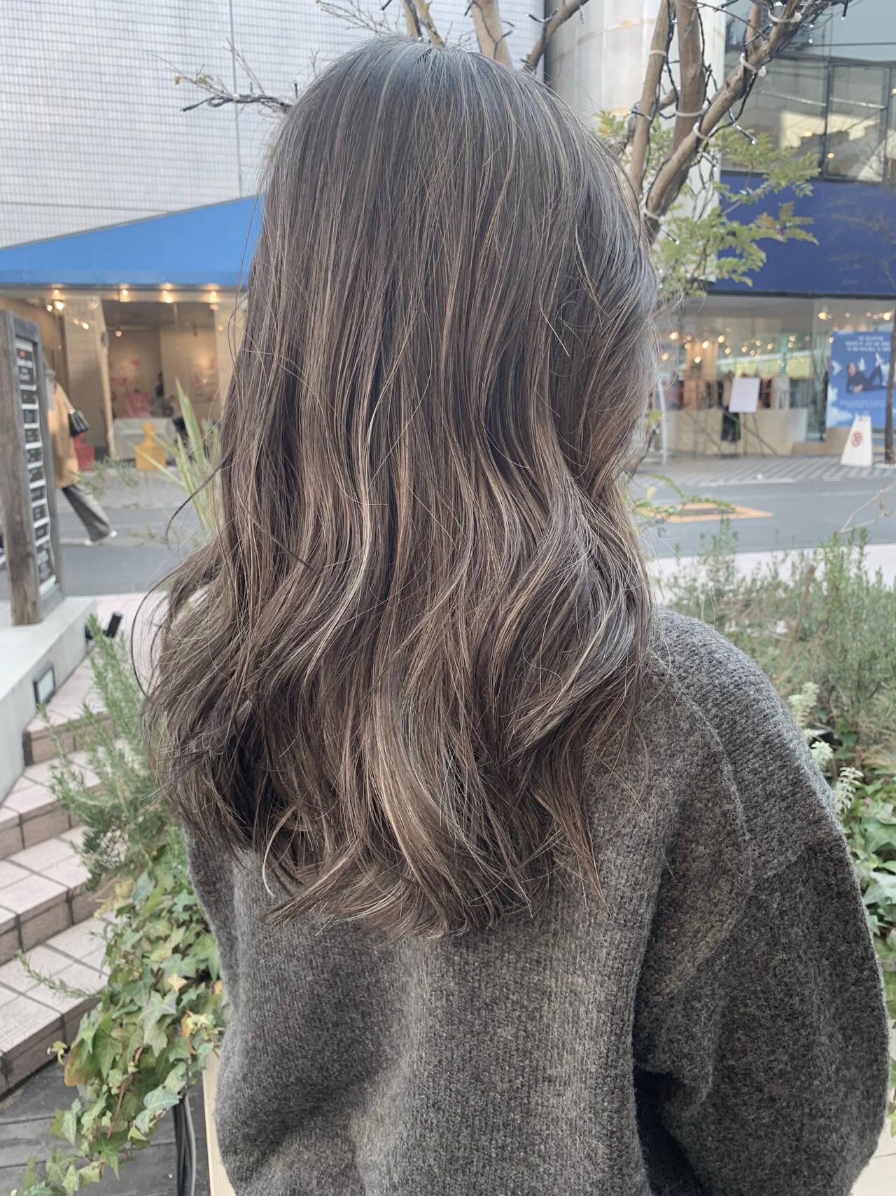 ロング 寒色 ナチュラル ビーチガールヘアスタイルや髪型の写真・画像