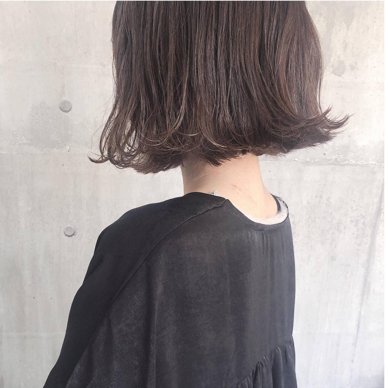 切りっぱなしボブ ナチュラル アンニュイほつれヘア アッシュベージュヘアスタイルや髪型の写真・画像