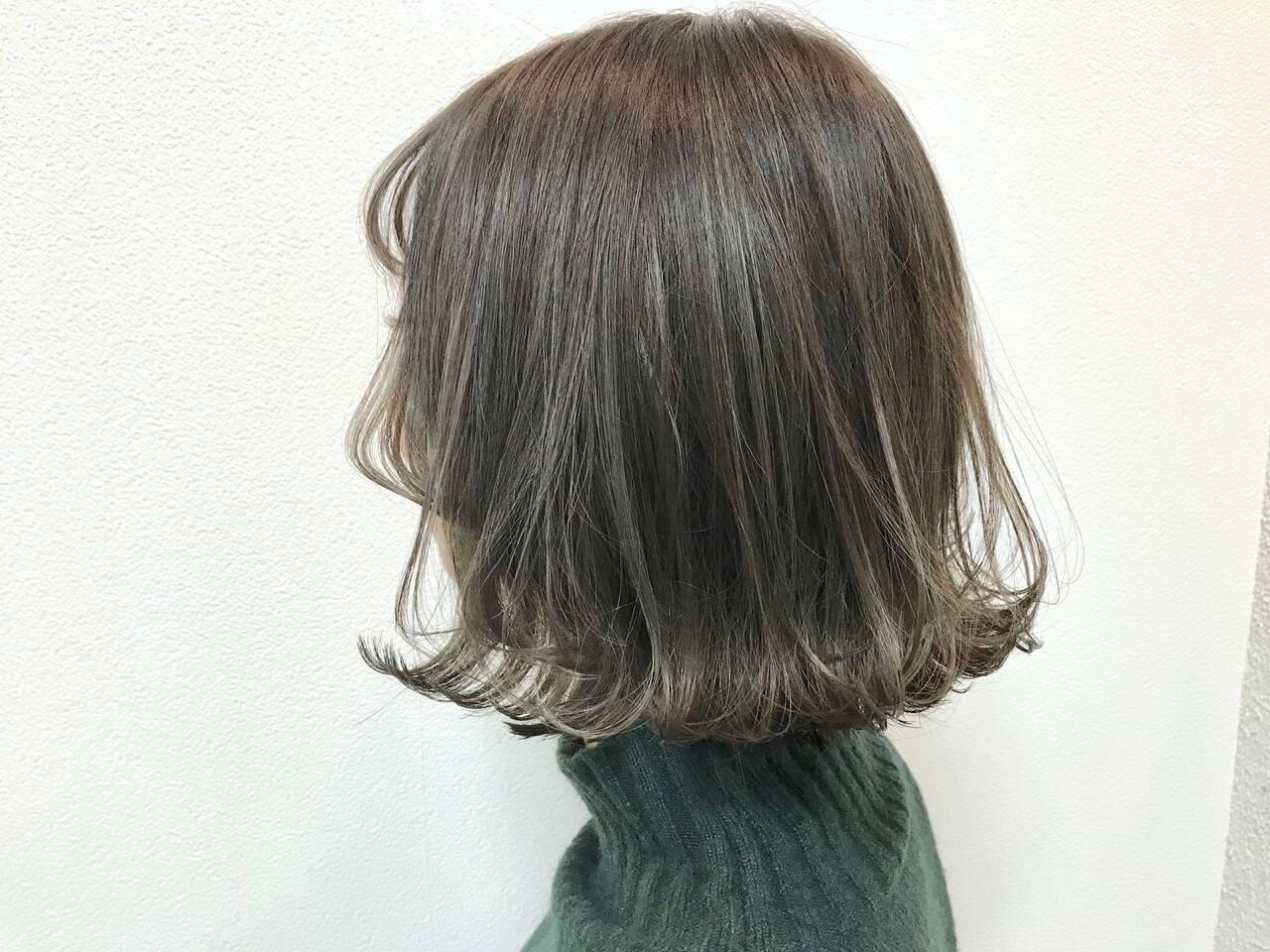 ボブ 透明感カラー アンニュイほつれヘア オリーブアッシュヘアスタイルや髪型の写真・画像