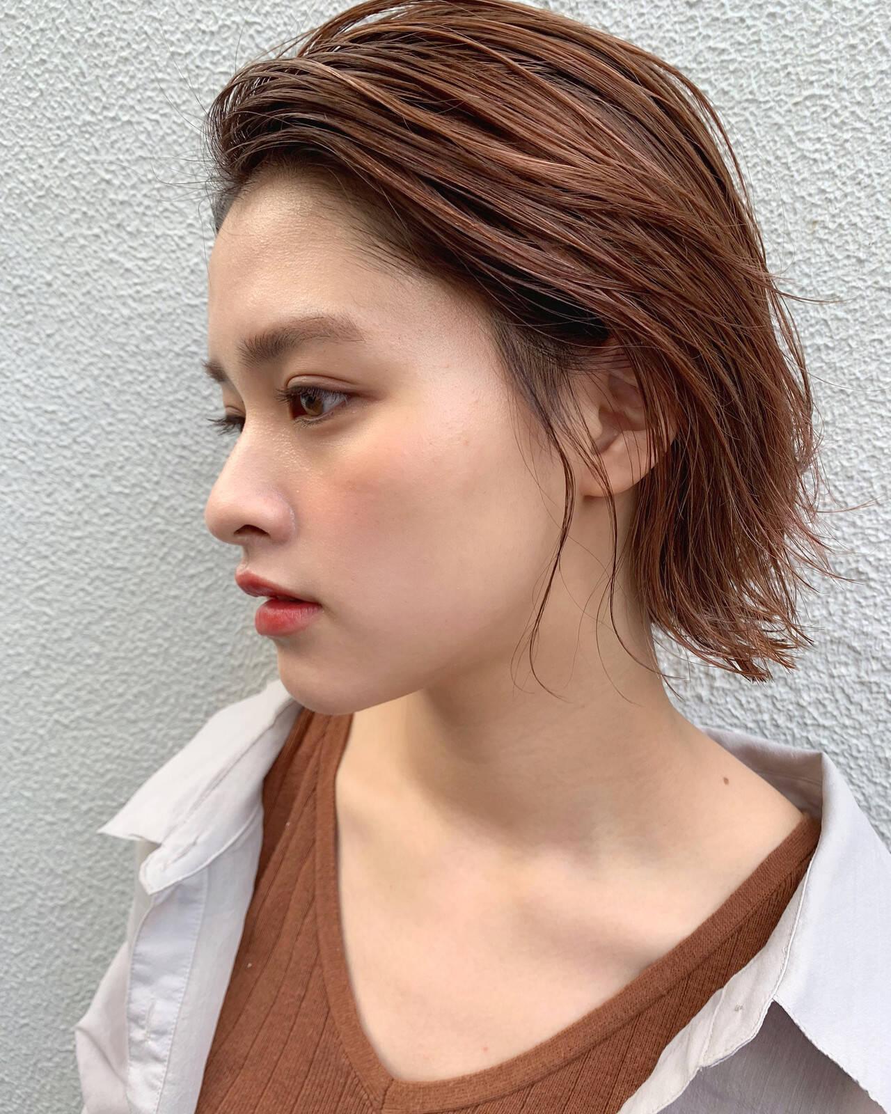 ナチュラル ピンクアッシュ ミディアム ピンクベージュヘアスタイルや髪型の写真・画像