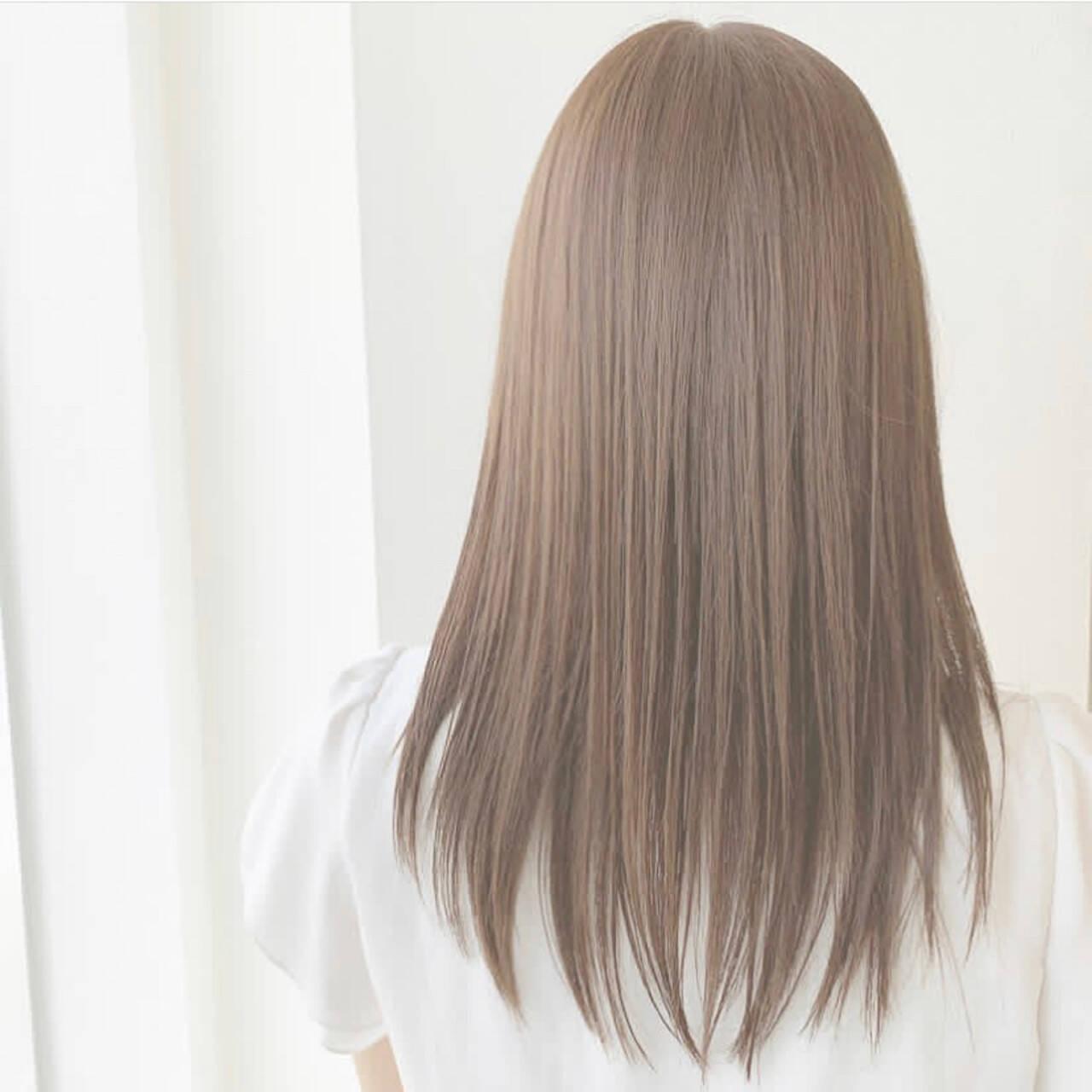 可愛い ふんわり ストレート セミロングヘアスタイルや髪型の写真・画像