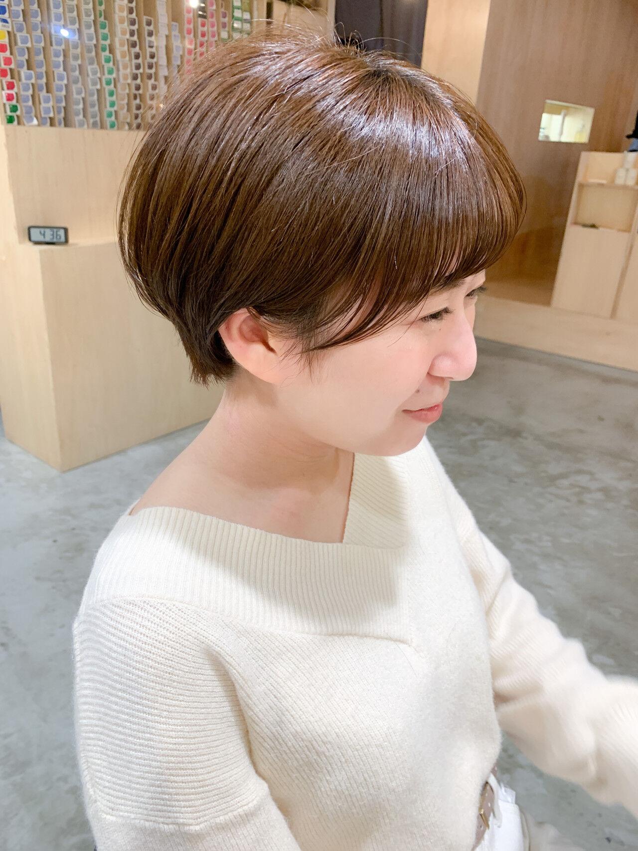 ショートヘア ショート ナチュラル 切りっぱなしボブヘアスタイルや髪型の写真・画像