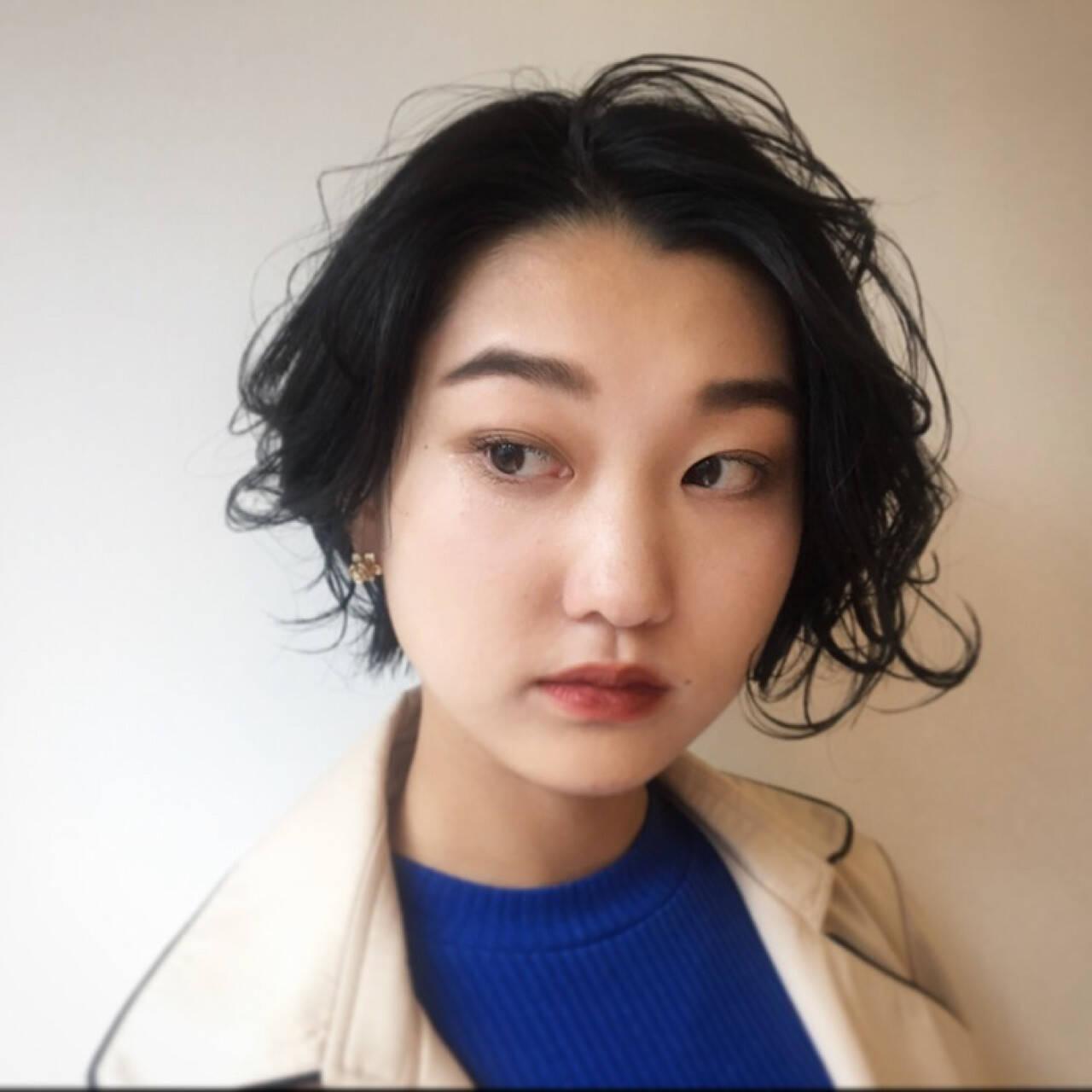 ウェットヘア パーマ ナチュラル 抜け感ヘアスタイルや髪型の写真・画像