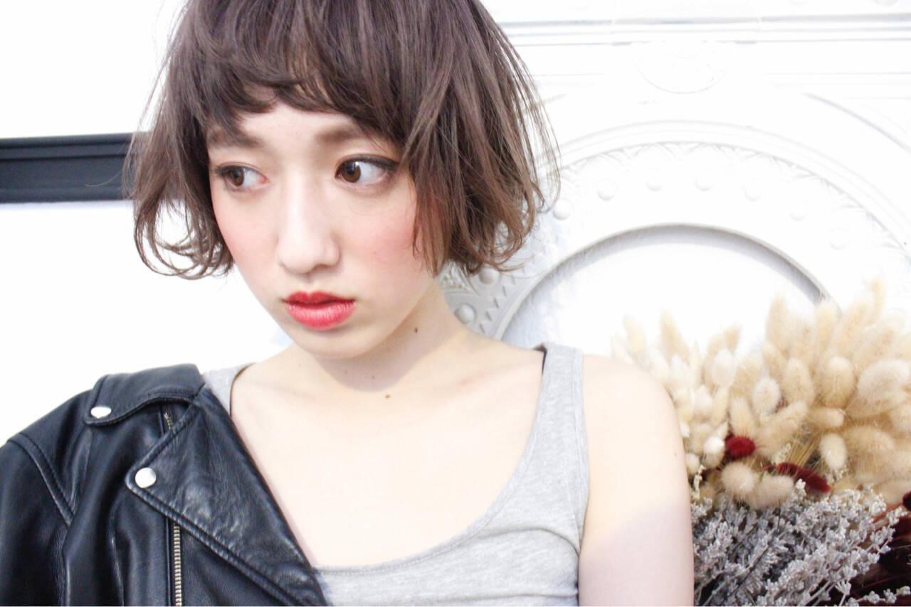 色気 ミルクティー ボブ ナチュラルヘアスタイルや髪型の写真・画像