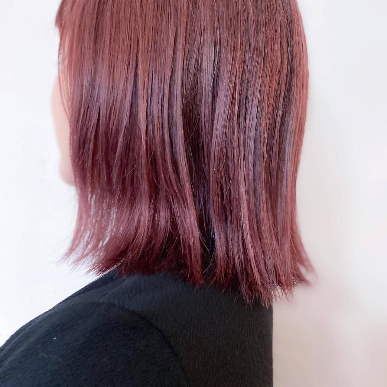 ミディアム ナチュラル ピンク ベリーピンクヘアスタイルや髪型の写真・画像