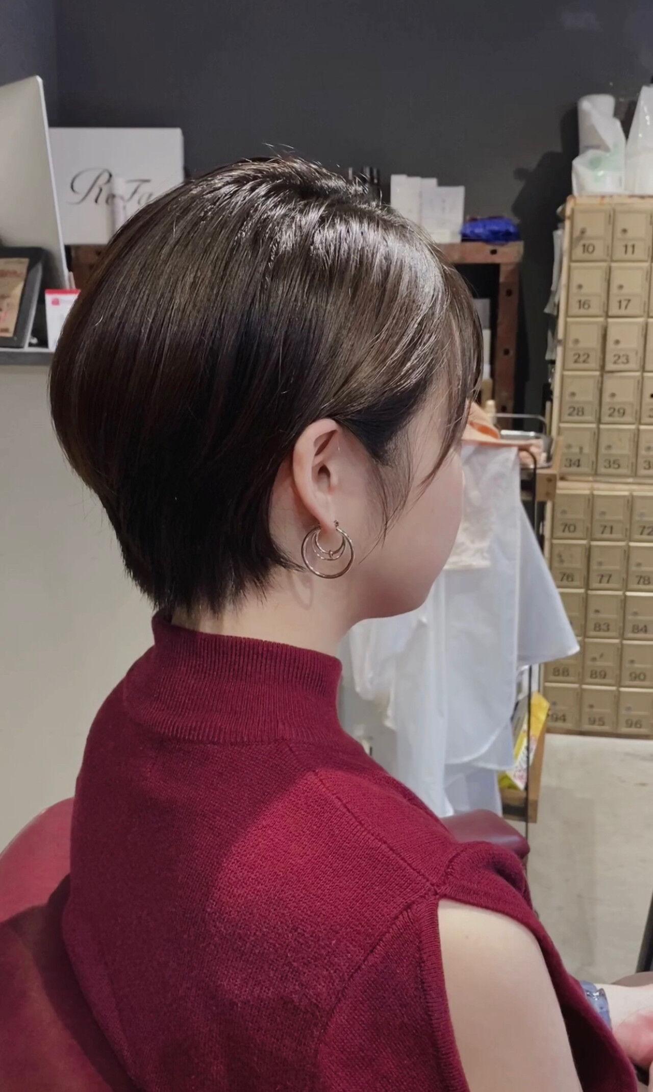 前下がりショート ハンサムショート ショート 小顔ショートヘアスタイルや髪型の写真・画像