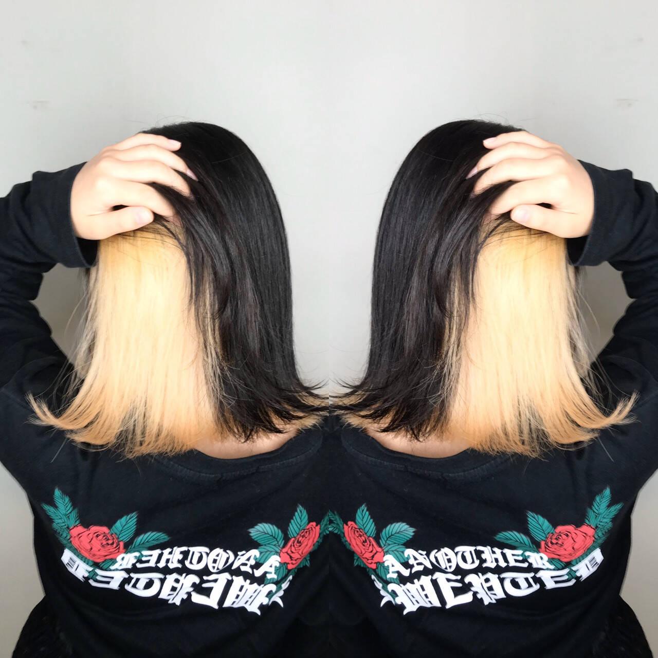 インナーカラーホワイト ブリーチ ボブ モードヘアスタイルや髪型の写真・画像