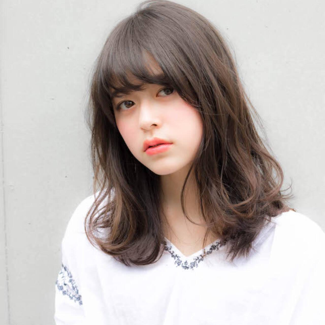 ナチュラル 大人かわいい 前髪あり ミディアムヘアスタイルや髪型の写真・画像