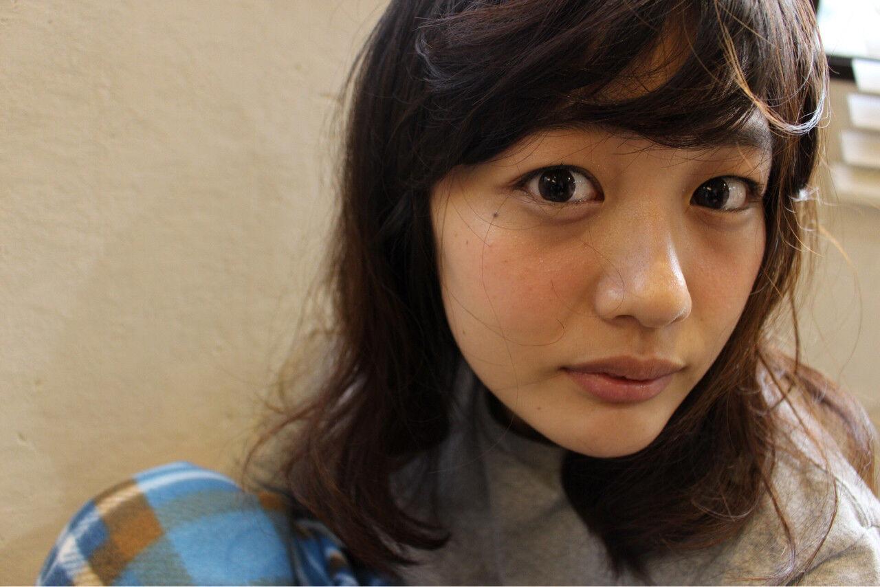 外国人風 ショート パーマ ミディアムヘアスタイルや髪型の写真・画像