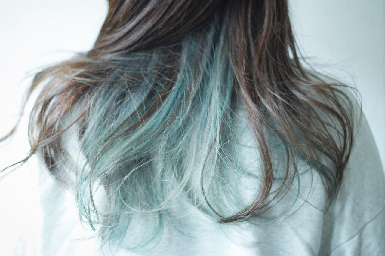 インナーカラー アッシュ ナチュラル グリーンヘアスタイルや髪型の写真・画像