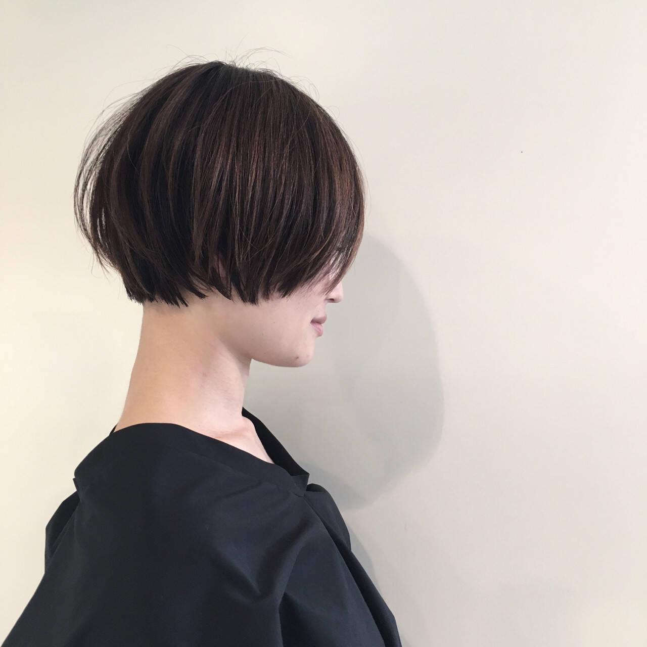 ショート 切りっぱなし 抜け感 ハイライトヘアスタイルや髪型の写真・画像
