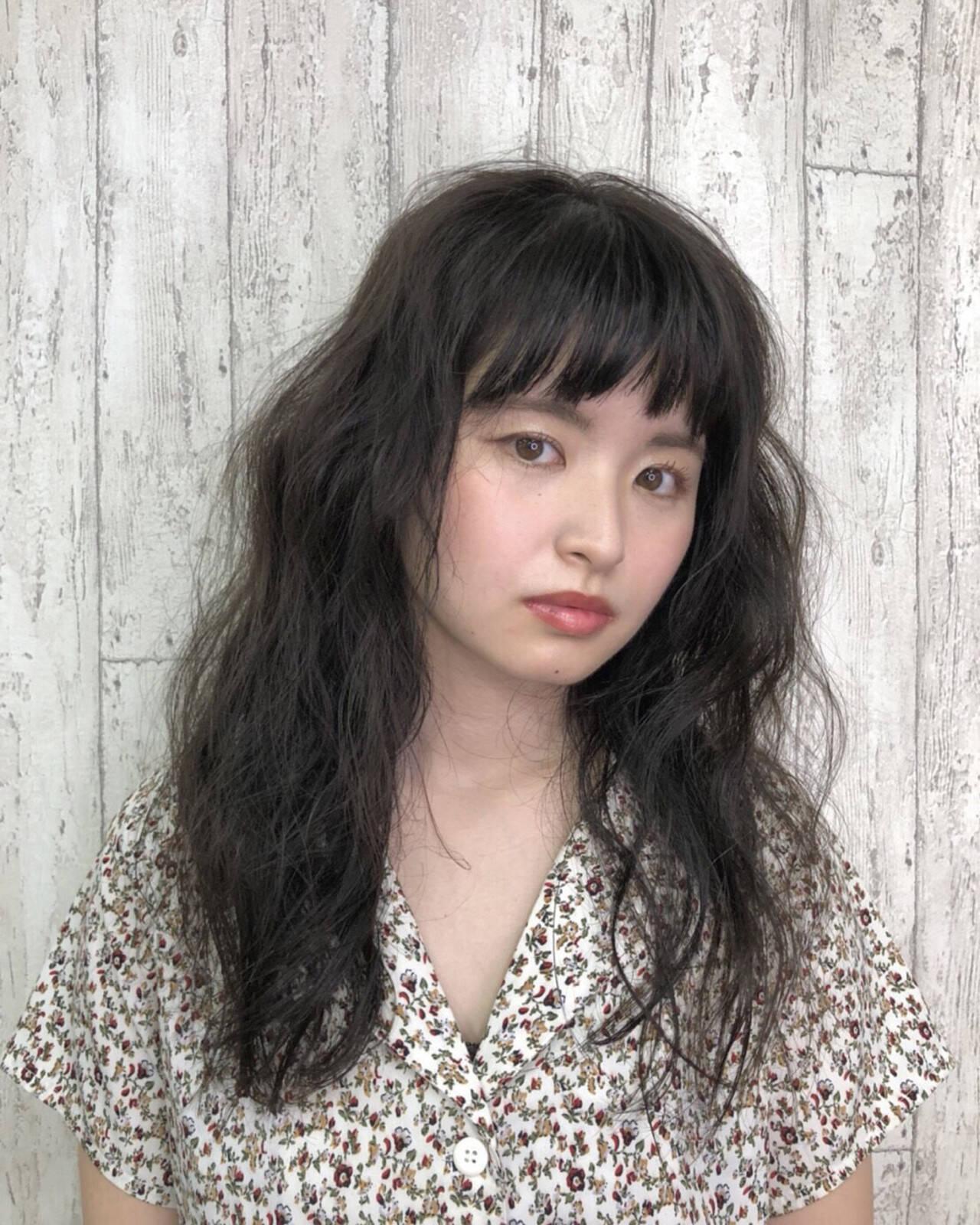 ロング ナチュラル 暗髪 前髪ありヘアスタイルや髪型の写真・画像