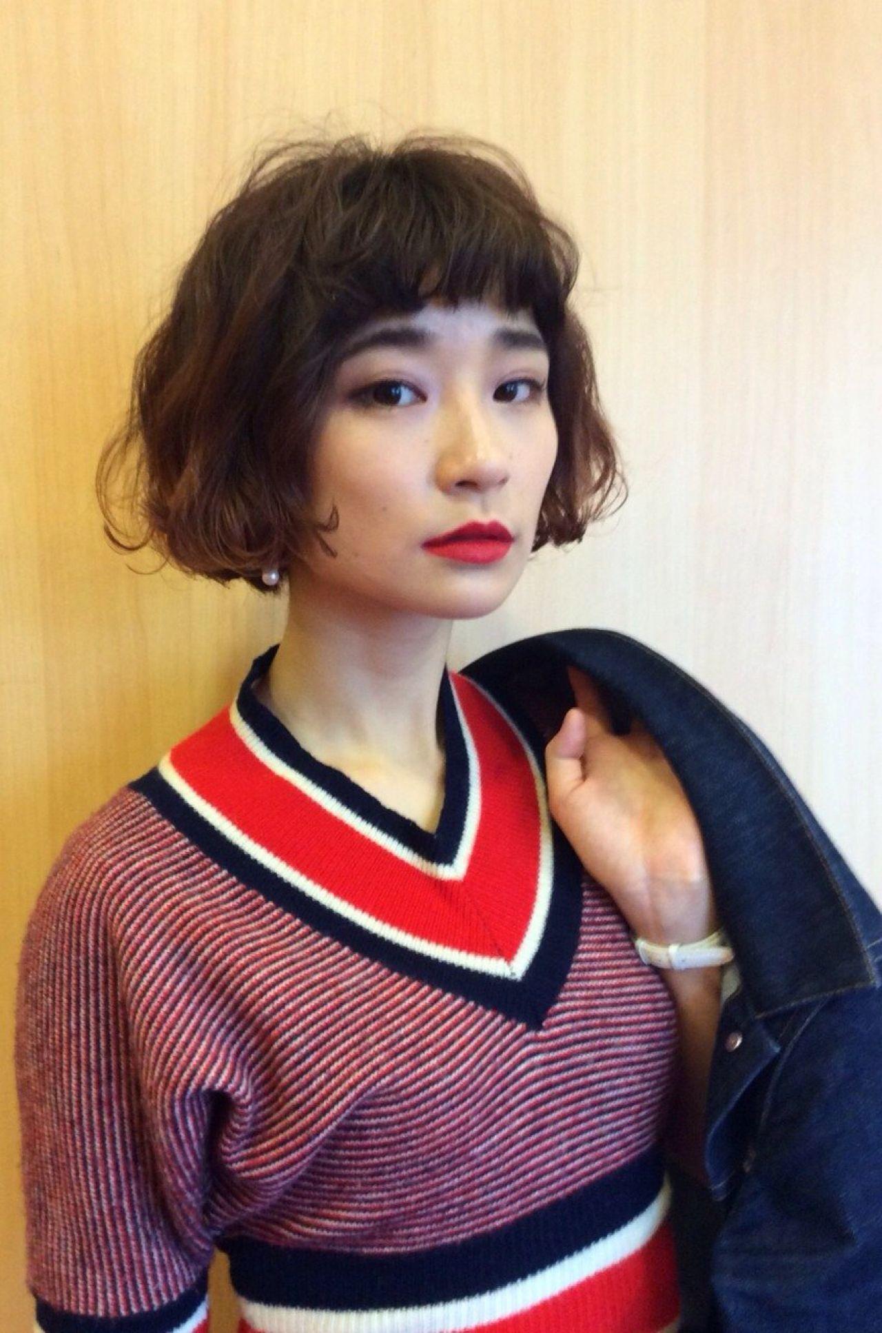 ウェーブ オン眉 外国人風 ボブヘアスタイルや髪型の写真・画像