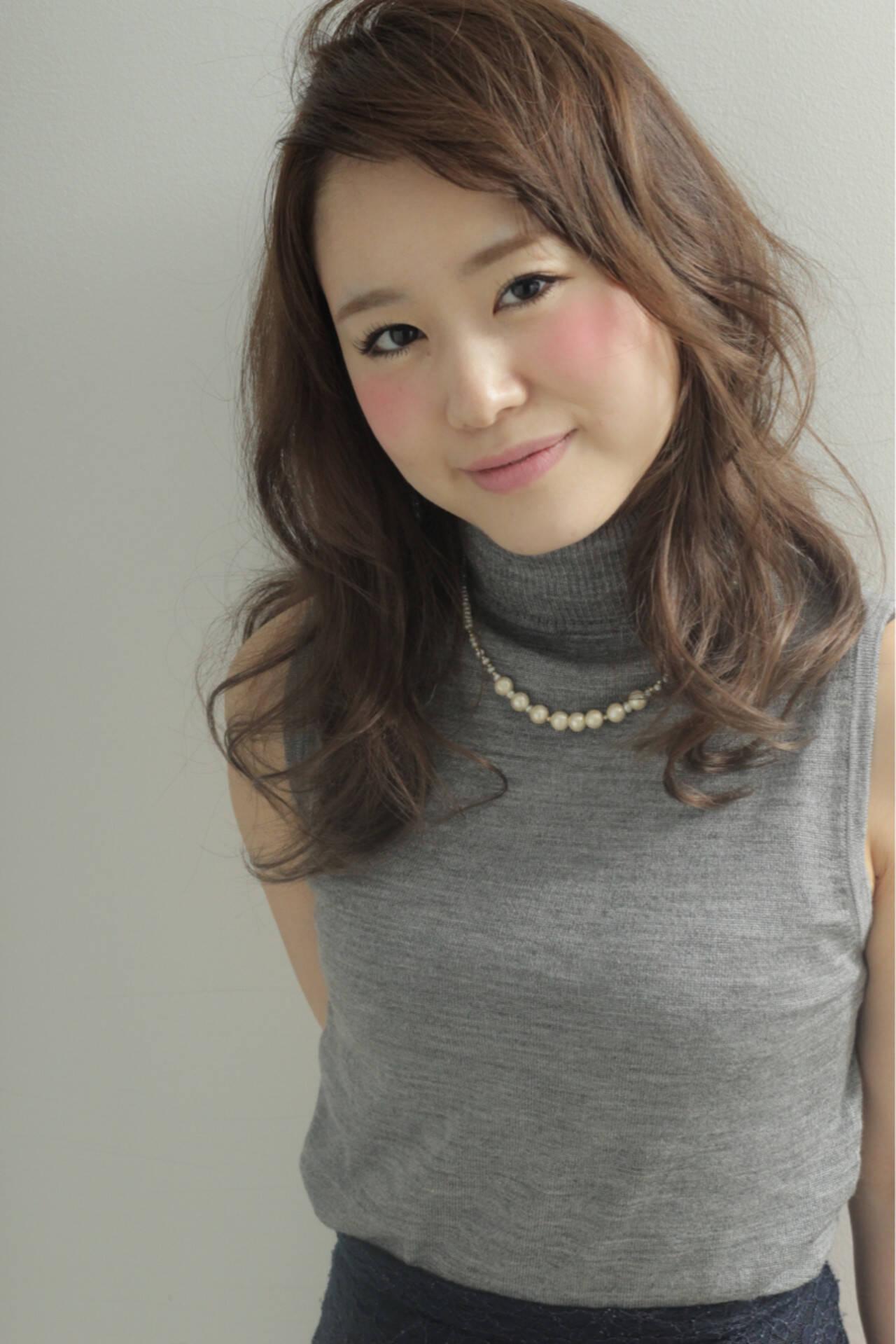 アッシュ セミロング ショート 簡単ヘアアレンジヘアスタイルや髪型の写真・画像