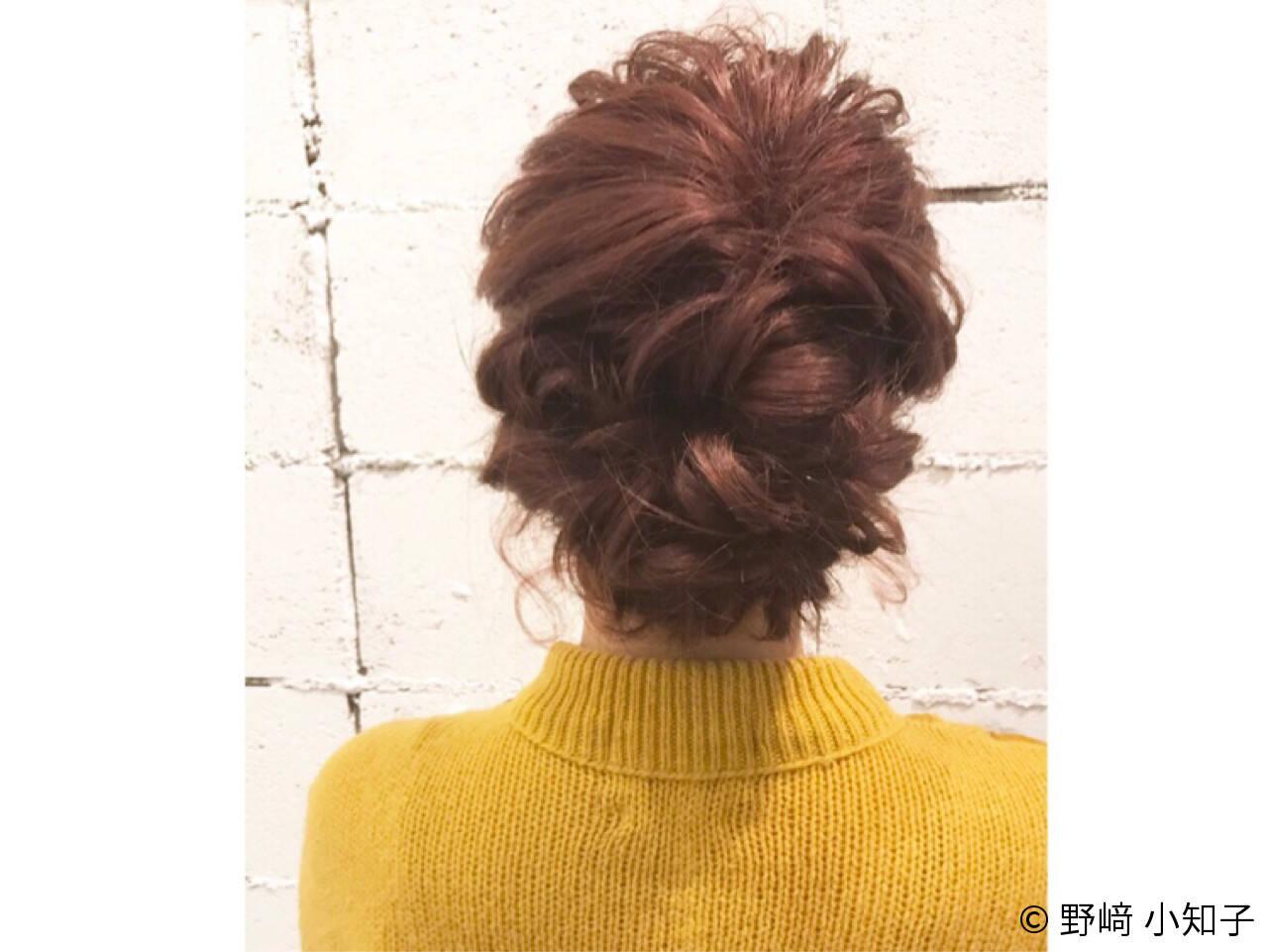 フェミニン パーマ 簡単ヘアアレンジ セミロングヘアスタイルや髪型の写真・画像