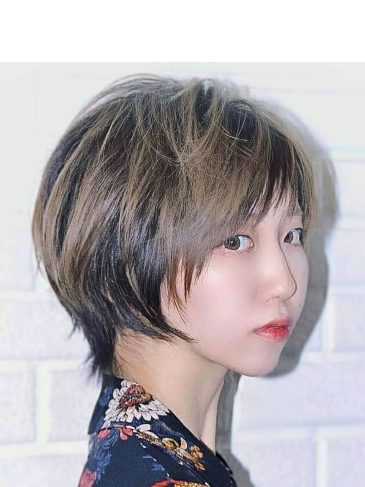 フェミニン ハイライト 斜め前髪 ショートヘアスタイルや髪型の写真・画像