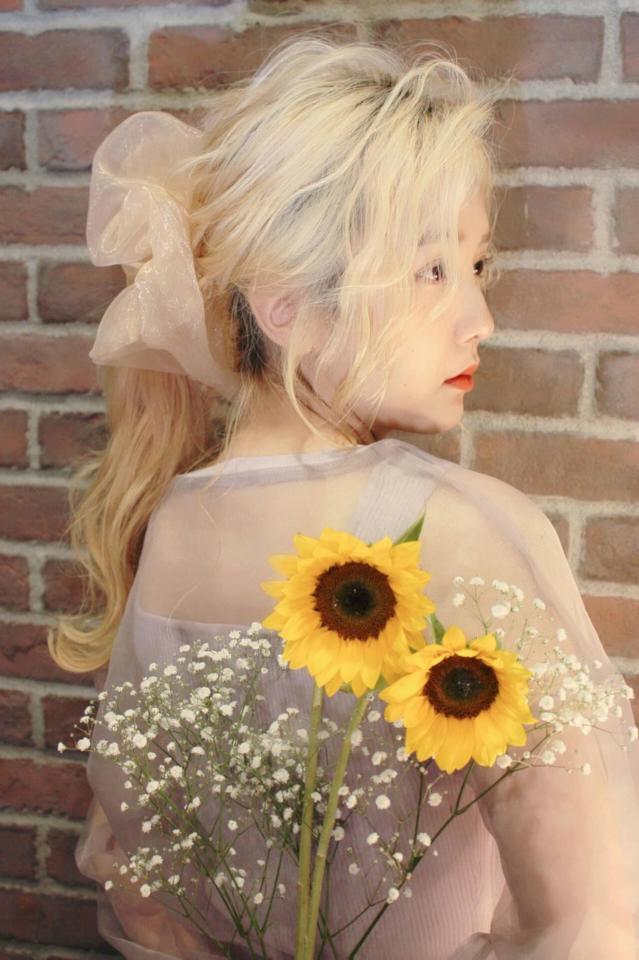 ロング ハイトーン ハイトーンカラー ふわふわヘアアレンジヘアスタイルや髪型の写真・画像