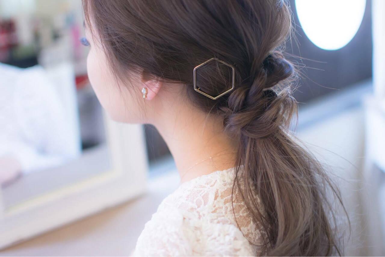 ローポニーテール ゆるふわ ポニーテール ナチュラルヘアスタイルや髪型の写真・画像