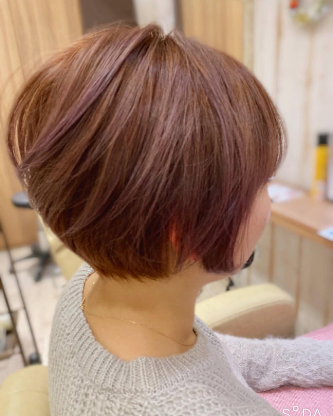 セミロング エレガント ショートボブ インナーカラーヘアスタイルや髪型の写真・画像