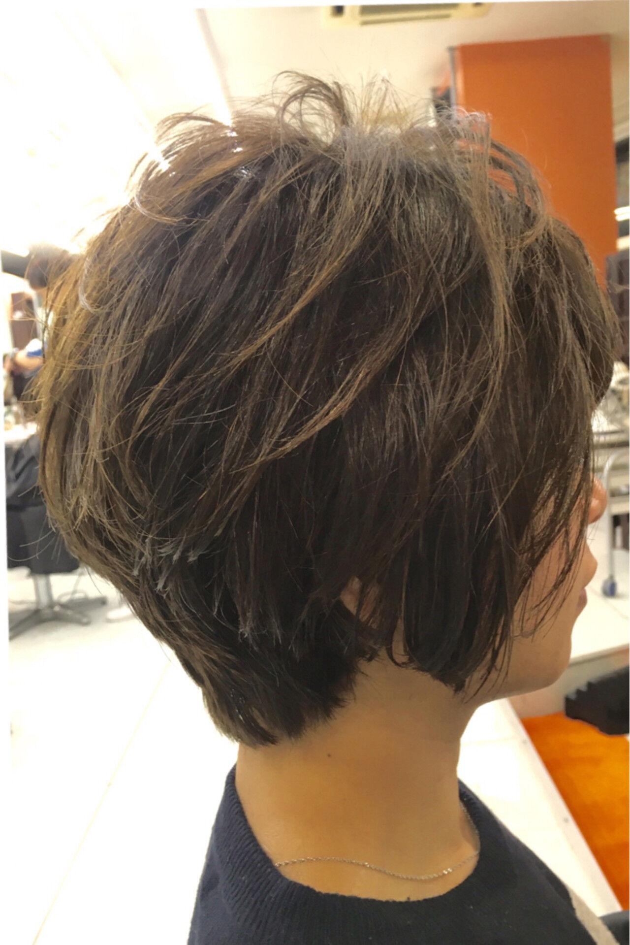ゆるふわ ボブ アッシュ ショートヘアスタイルや髪型の写真・画像