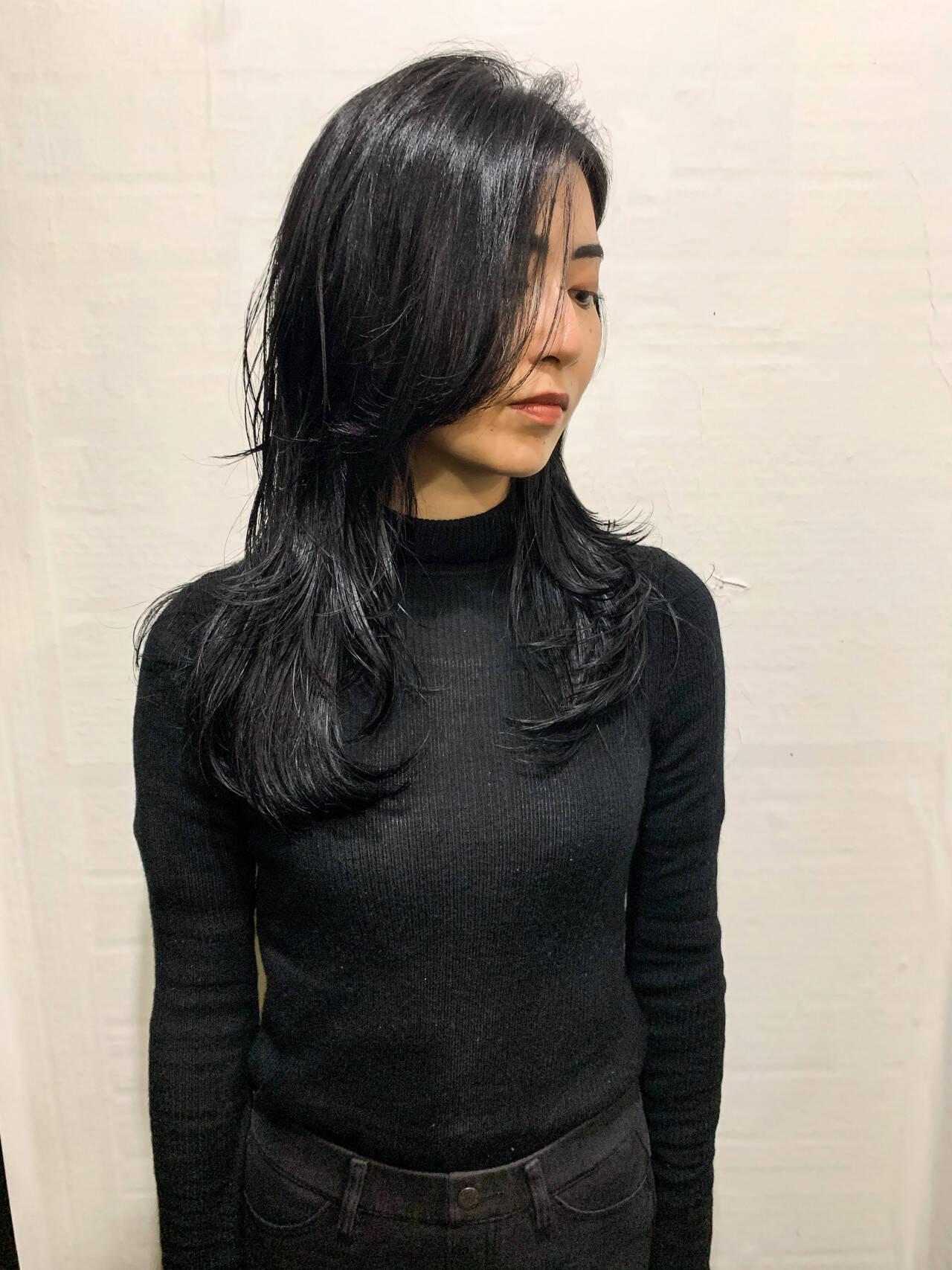 ウルフレイヤー ロング ナチュラル ウルフカットヘアスタイルや髪型の写真・画像