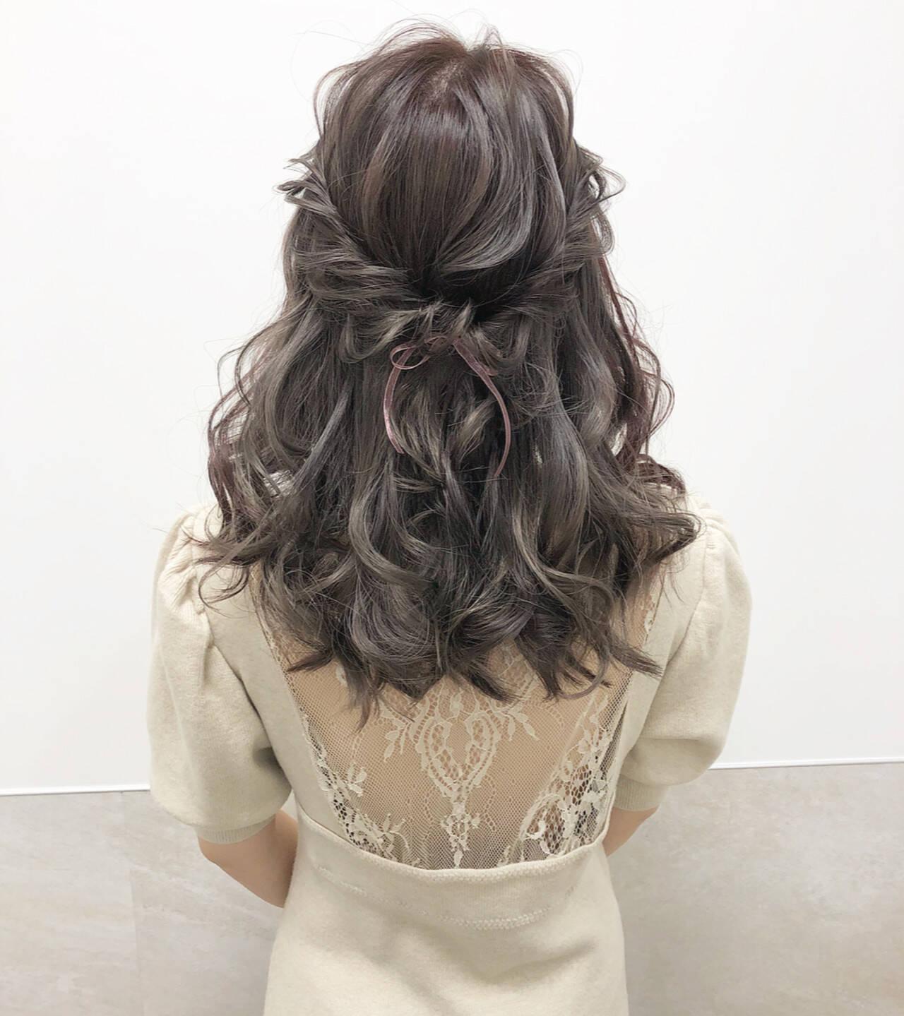 ミルクティーベージュ ヘアアレンジ セミロング ミルクティーヘアスタイルや髪型の写真・画像