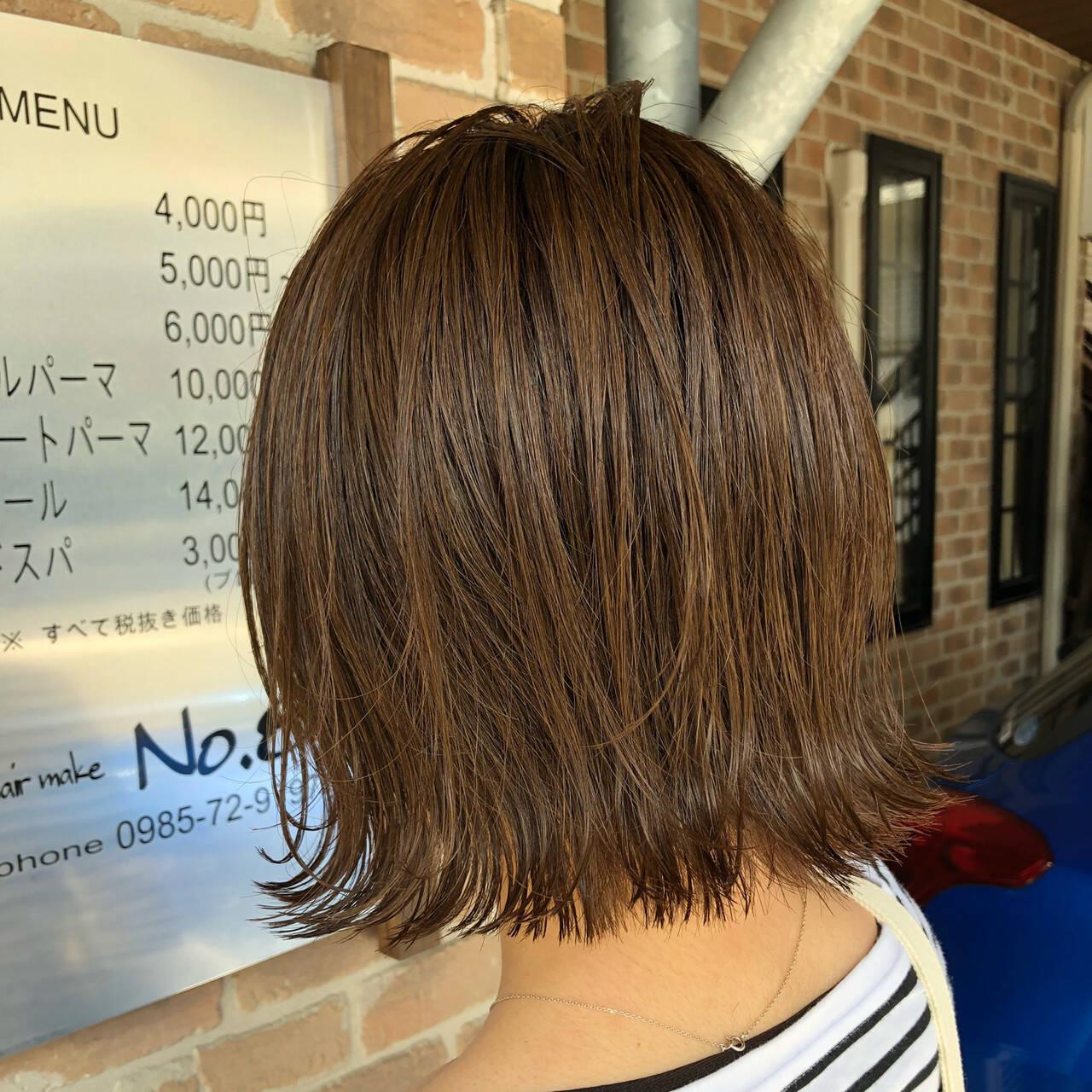 切りっぱなしボブ オフィス 簡単ヘアアレンジ ヘアアレンジヘアスタイルや髪型の写真・画像