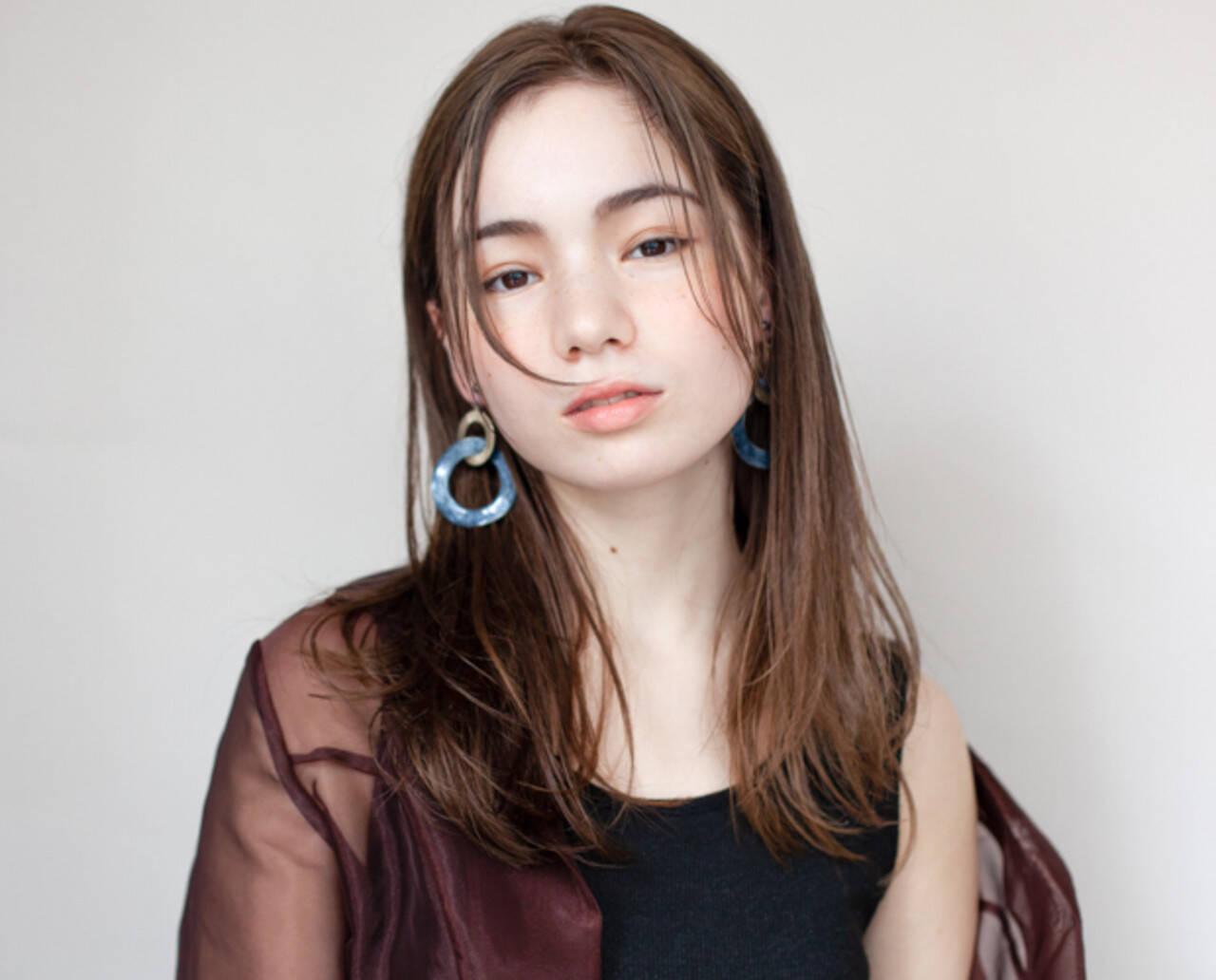 インナーカラー ブリーチ ストリート ミディアムヘアスタイルや髪型の写真・画像