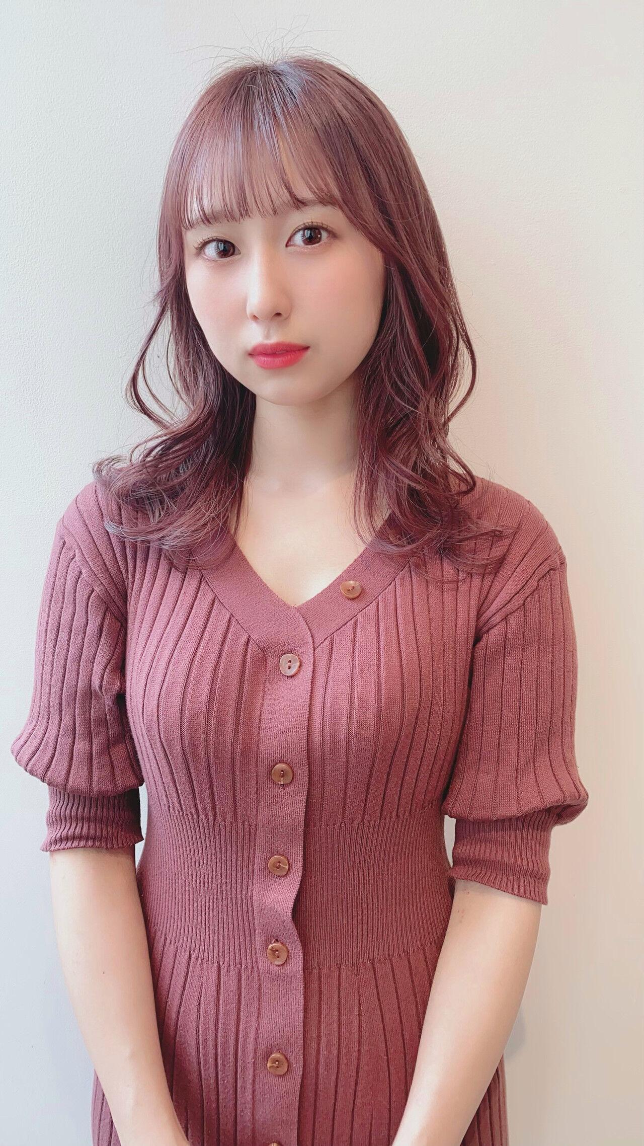 ラベンダーピンク ブリーチなし ピンクベージュ ピンクアッシュヘアスタイルや髪型の写真・画像